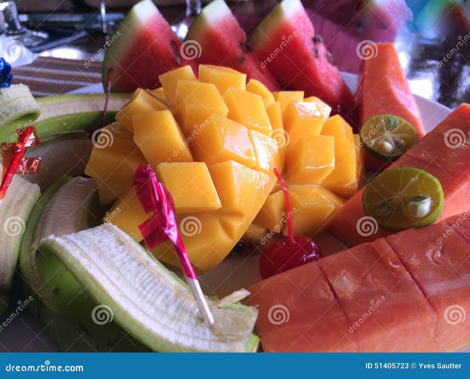 Picchiettio tailandese della frutta, prima colazione