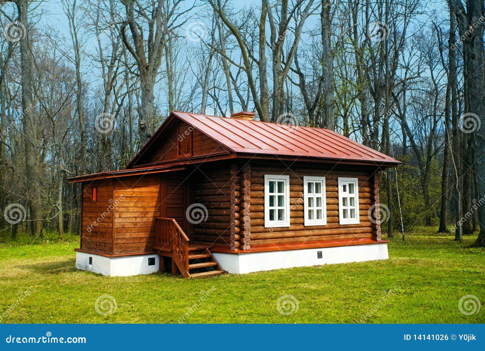 piccola casa di legno fotografia stock immagine di
