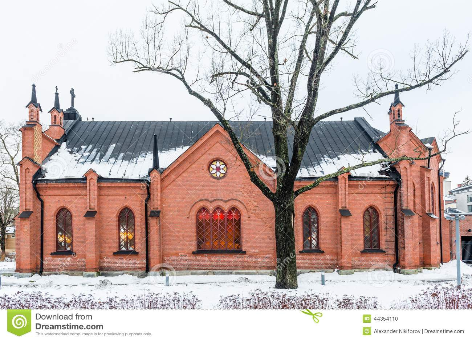 Piccola chiesa di vecchio stile a Helsinki