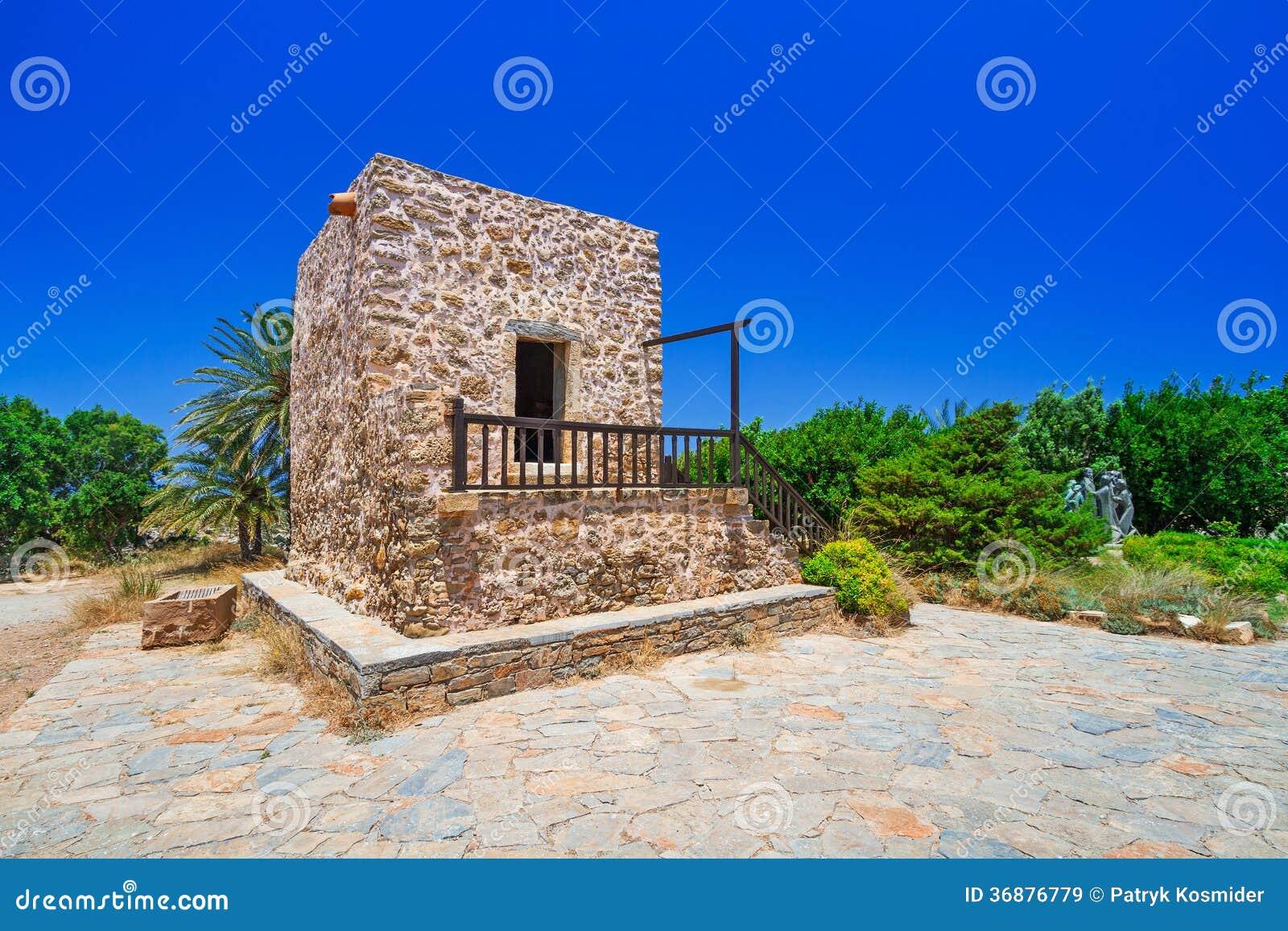 Download Piccola Chiesa Tradizionale Su Creta Immagine Stock - Immagine di europa, limite: 36876779