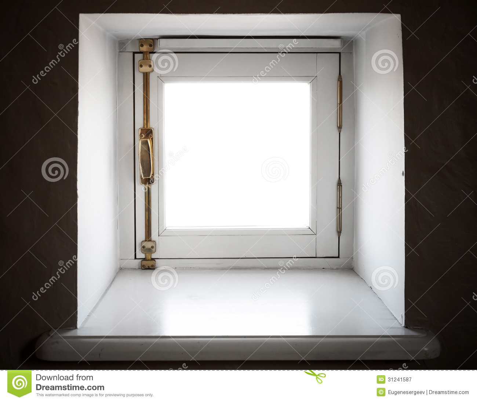 piccola finestra quadrata fotografia stock libera da