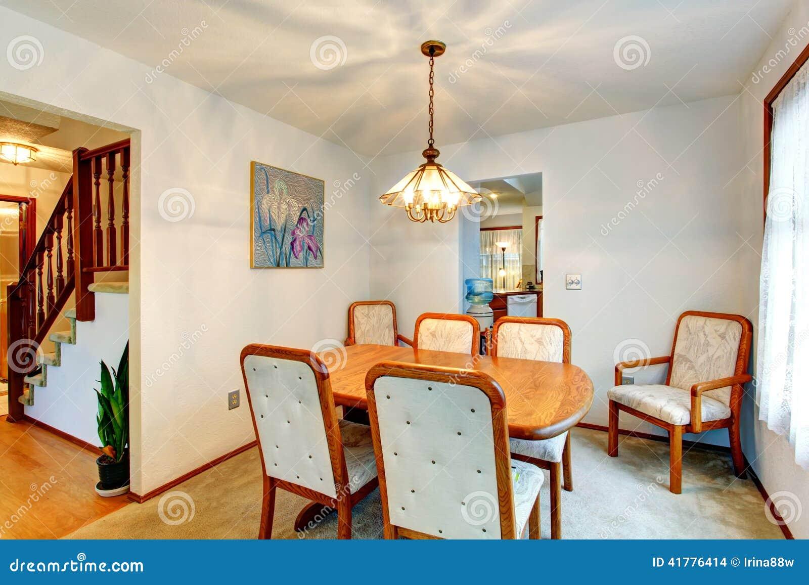 Piccola Sala Da Pranzo Accogliente Fotografia Stock ...