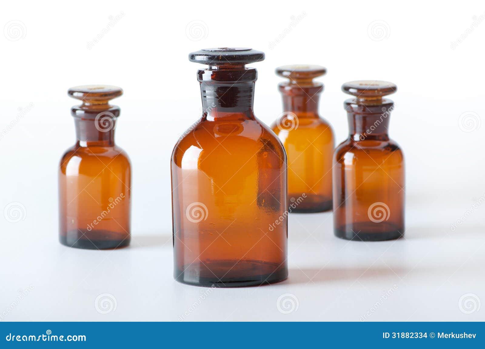 piccole bottiglie di vetro chimiche fotografia stock