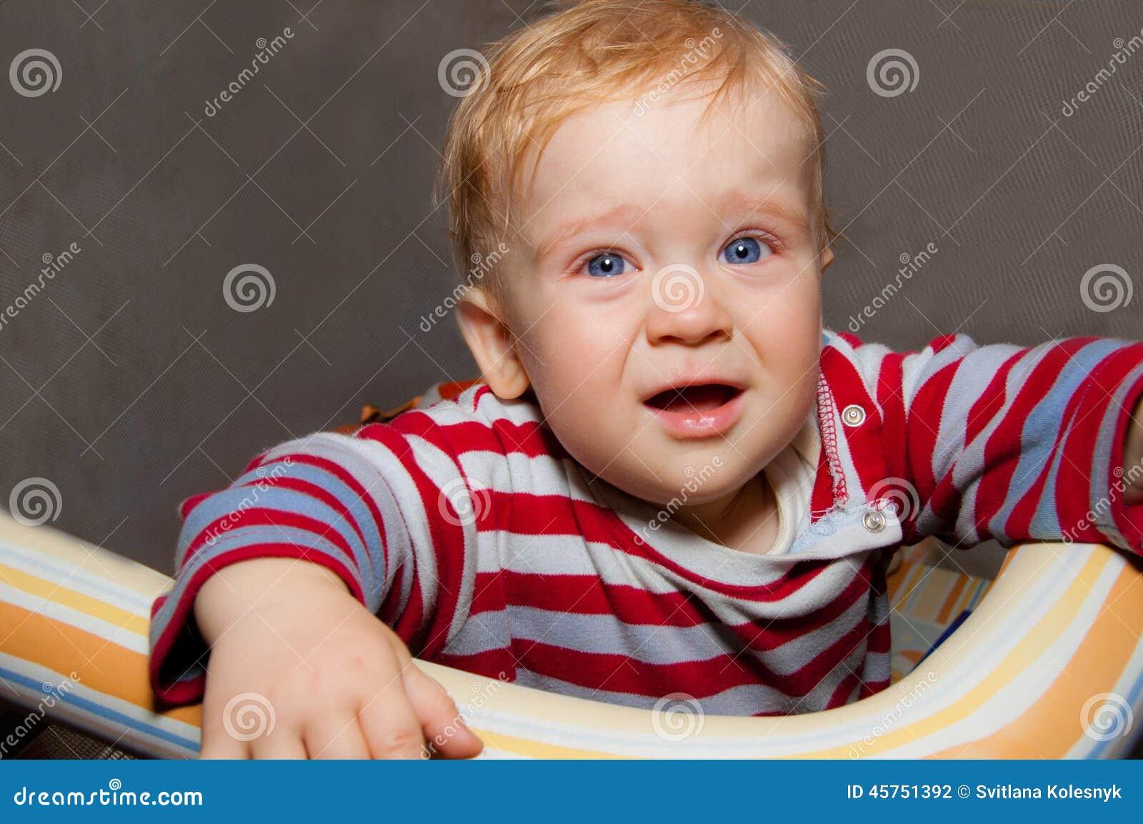 Piccoli grida del neonato