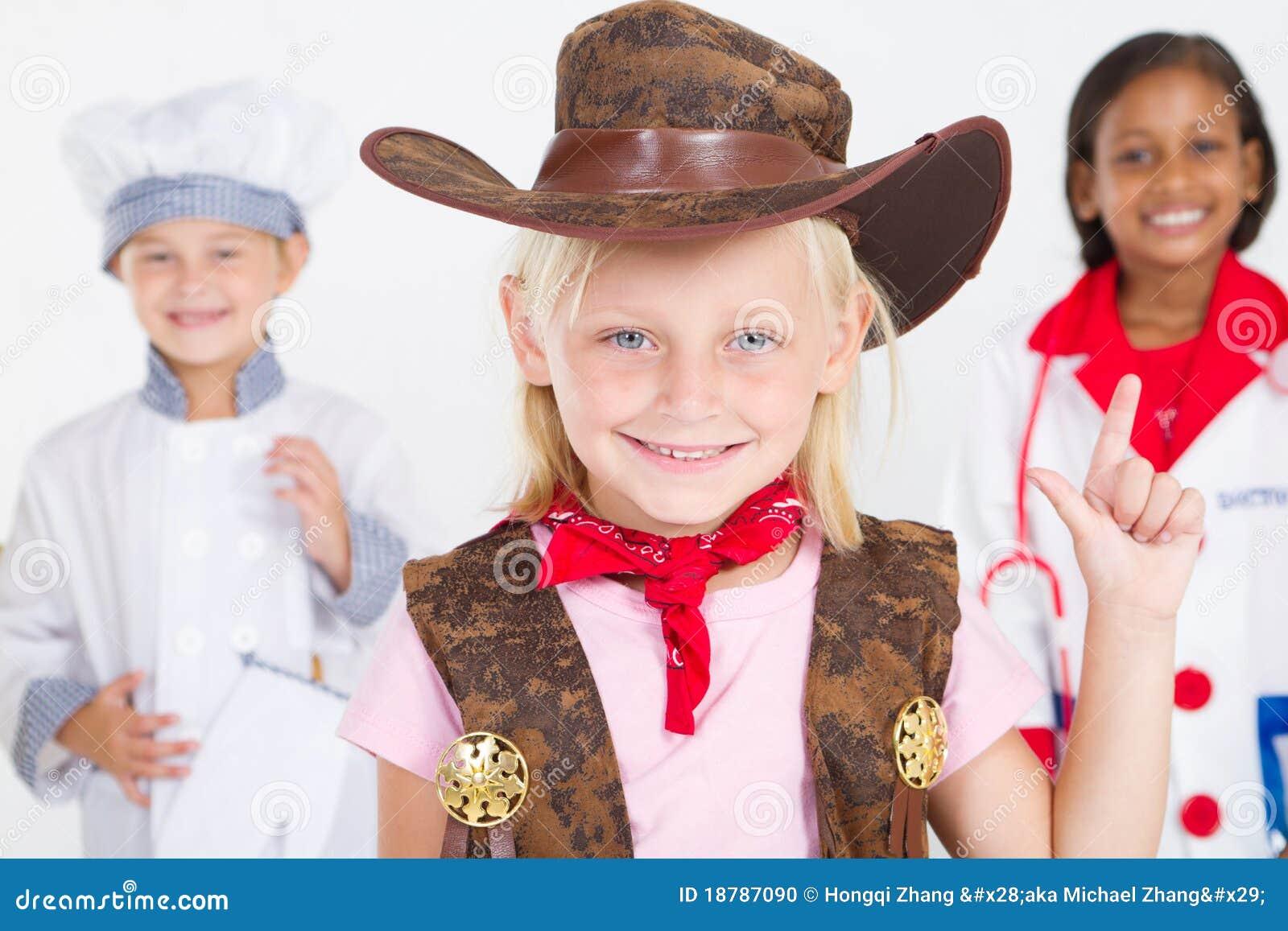 Piccolo cowgirl sveglio