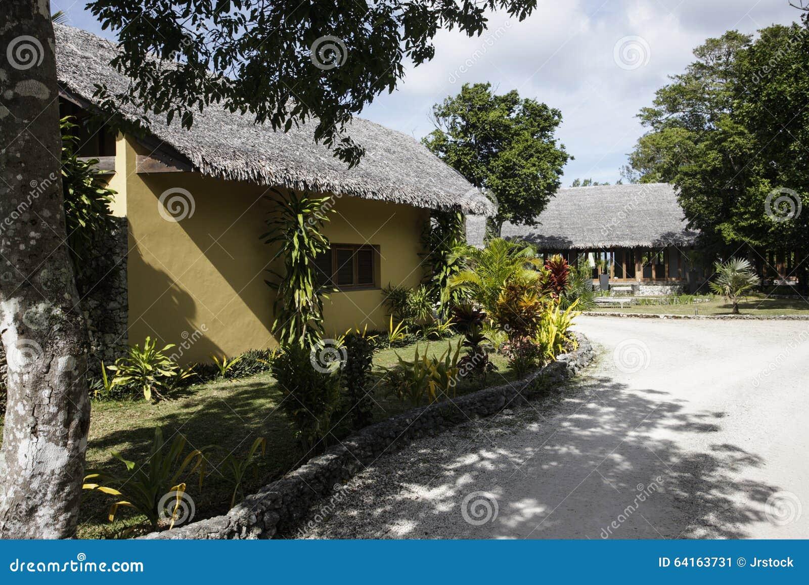 piccolo giardino davanti ad una casa fotografia stock - immagine ... - Piccolo Giardino In Casa
