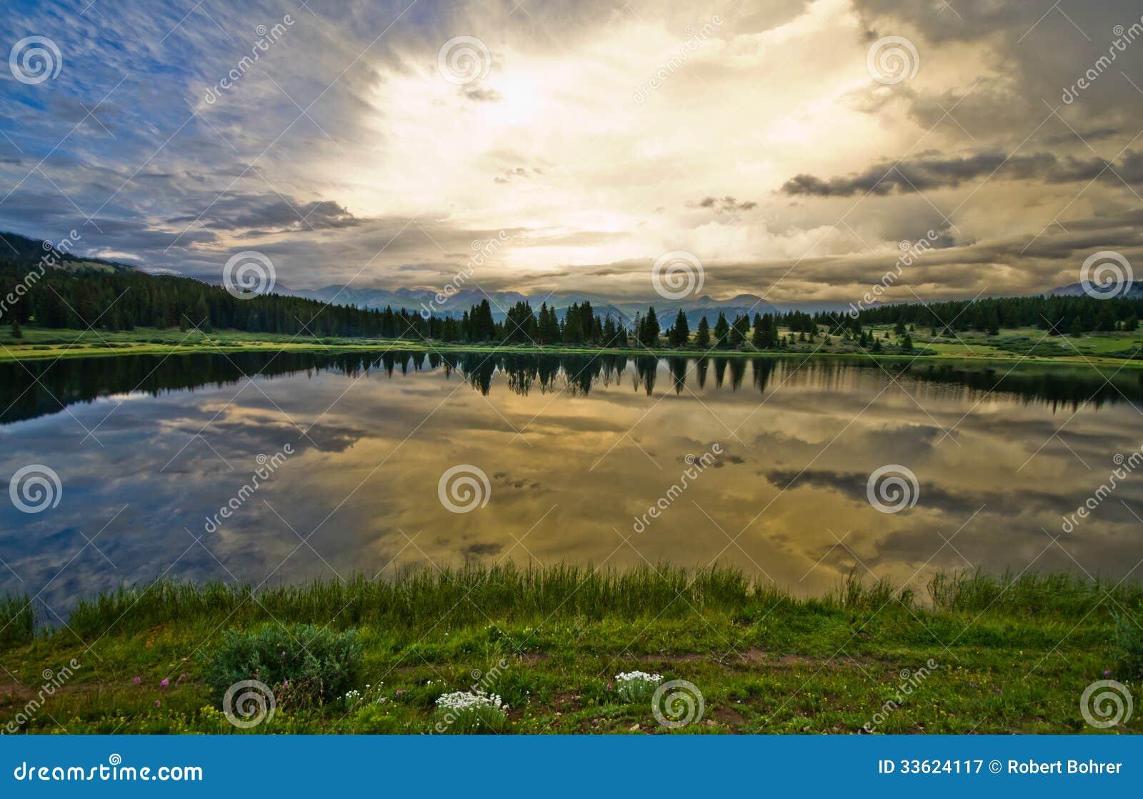 Piccolo lago molas nel San Juan Mountains in Colorado