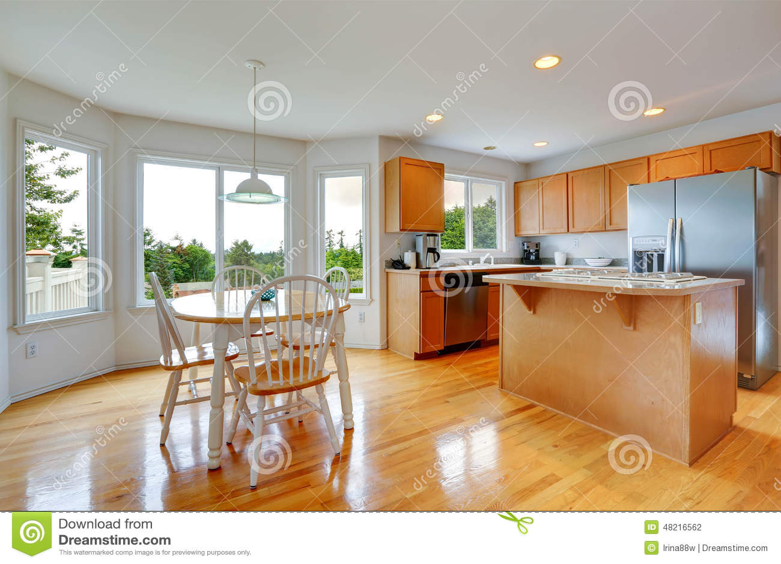 Tables Manger Dans Cuisine : Pièce de cuisine avec l ensemble rustique table salle à
