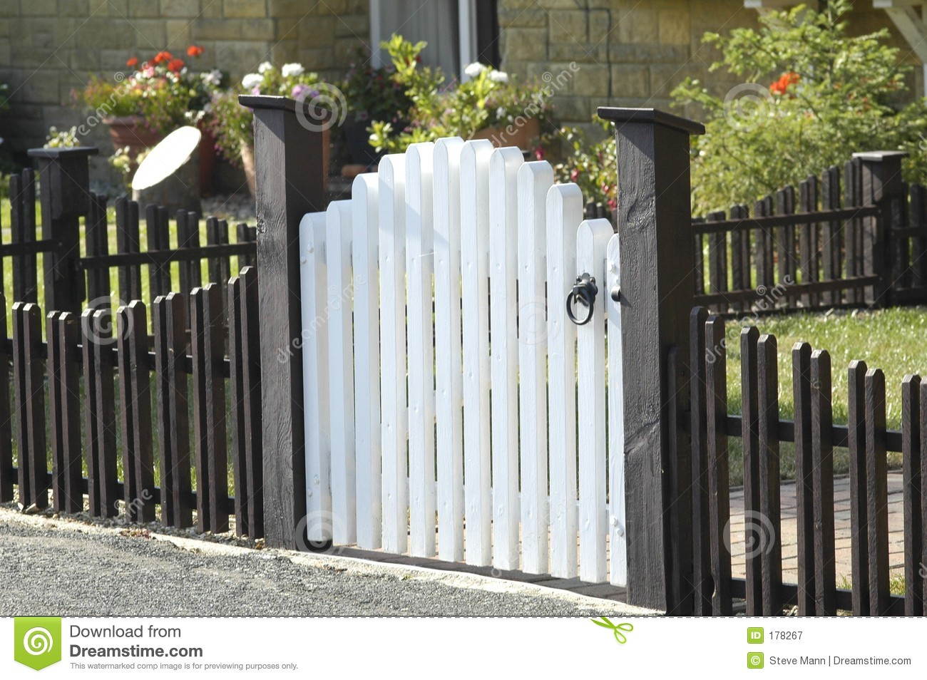 picket fence and gate stock image image of gates hobbies. Black Bedroom Furniture Sets. Home Design Ideas