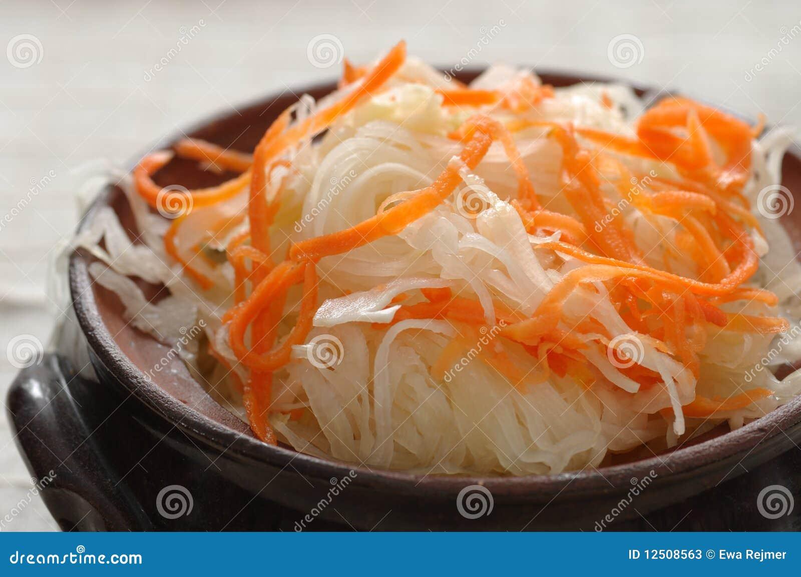Рецепт квашения капусты с морковью 4 фотография