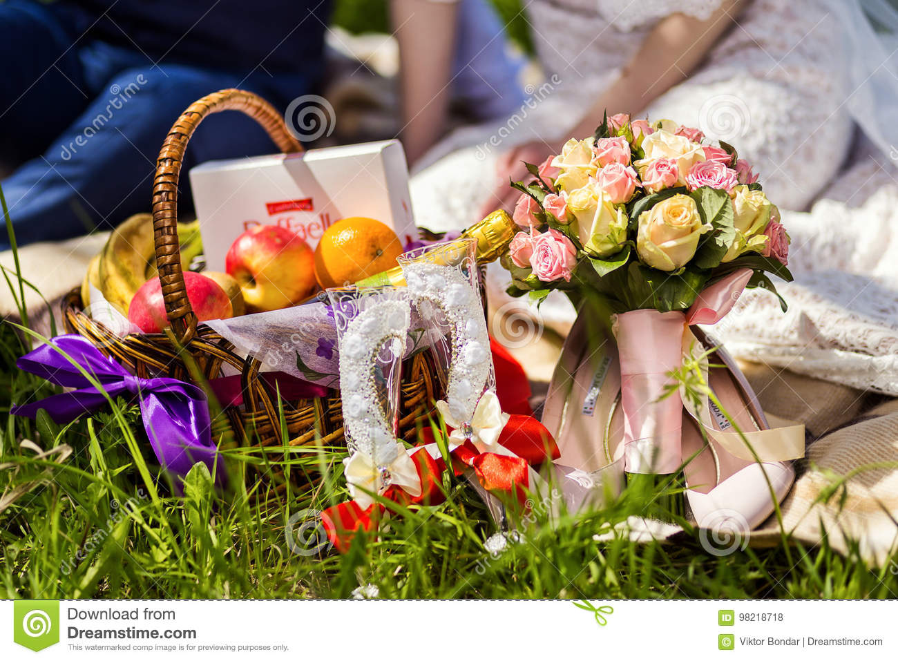 Picnic on the grass, picnic, wine,champagne, glasses, bottle of