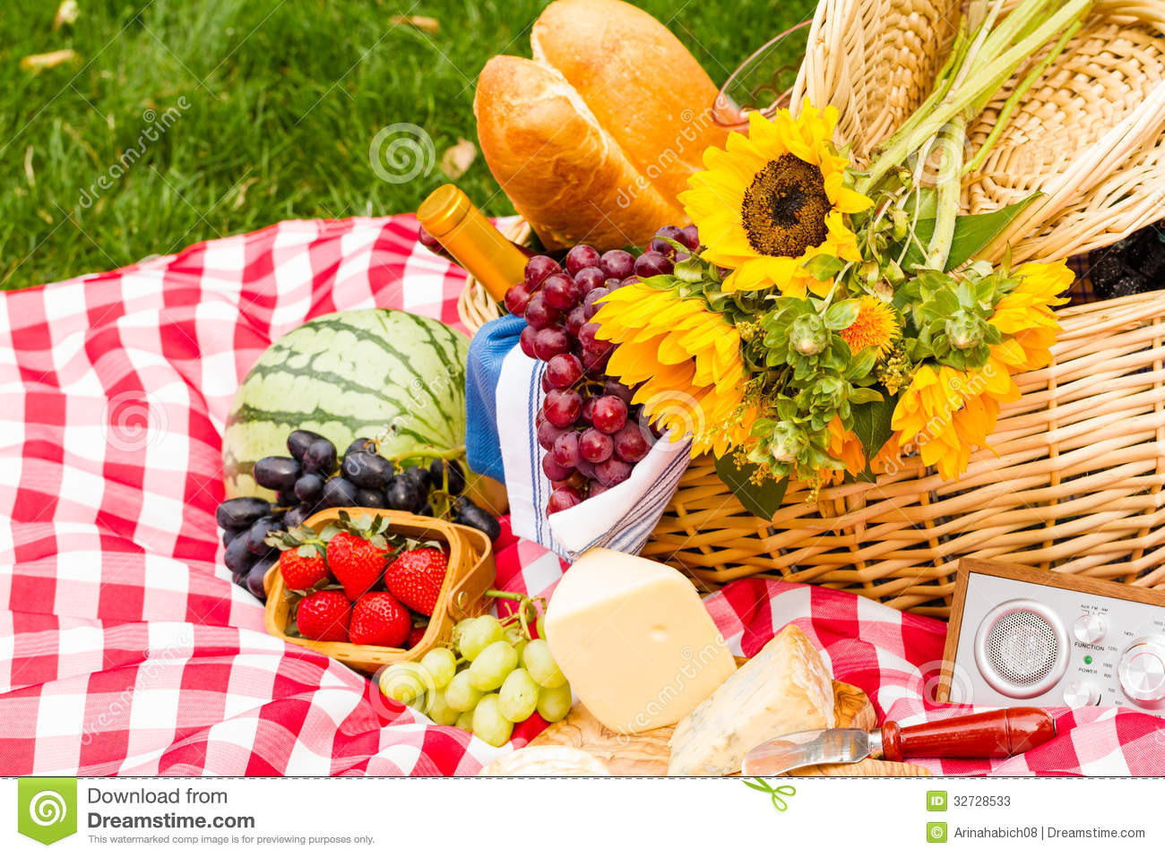 Where To Get A Picnic Basket With Food In It