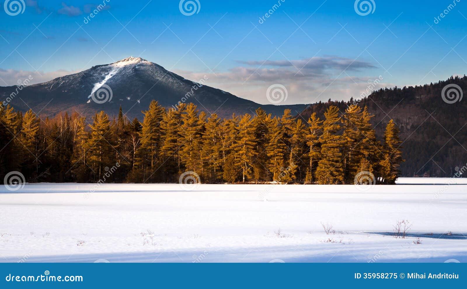 Pico de montaña de Whiteface