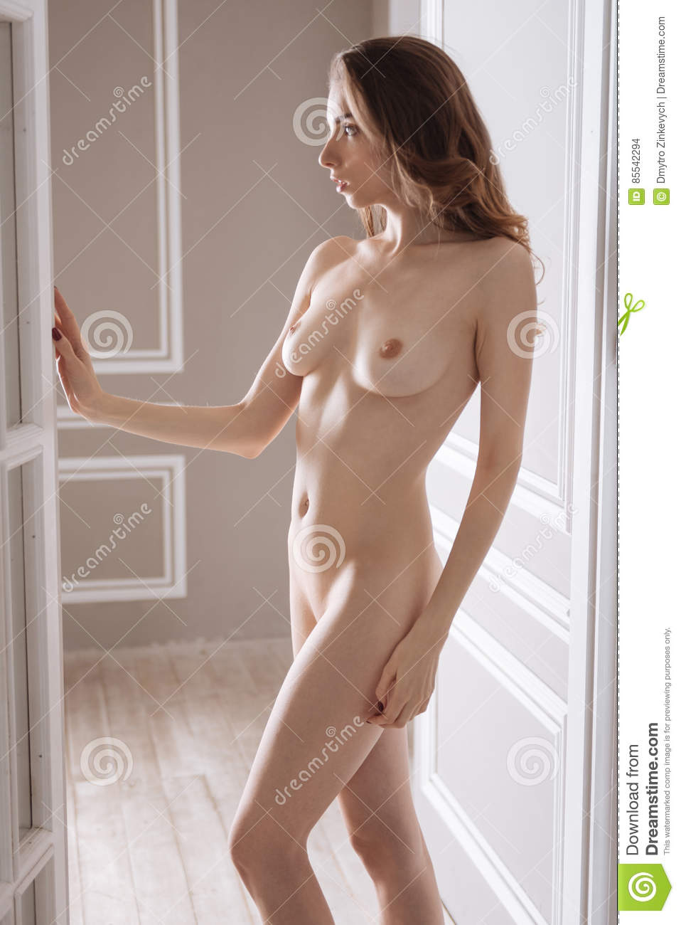Fuck Porne Naked Chick Standing In Doorway