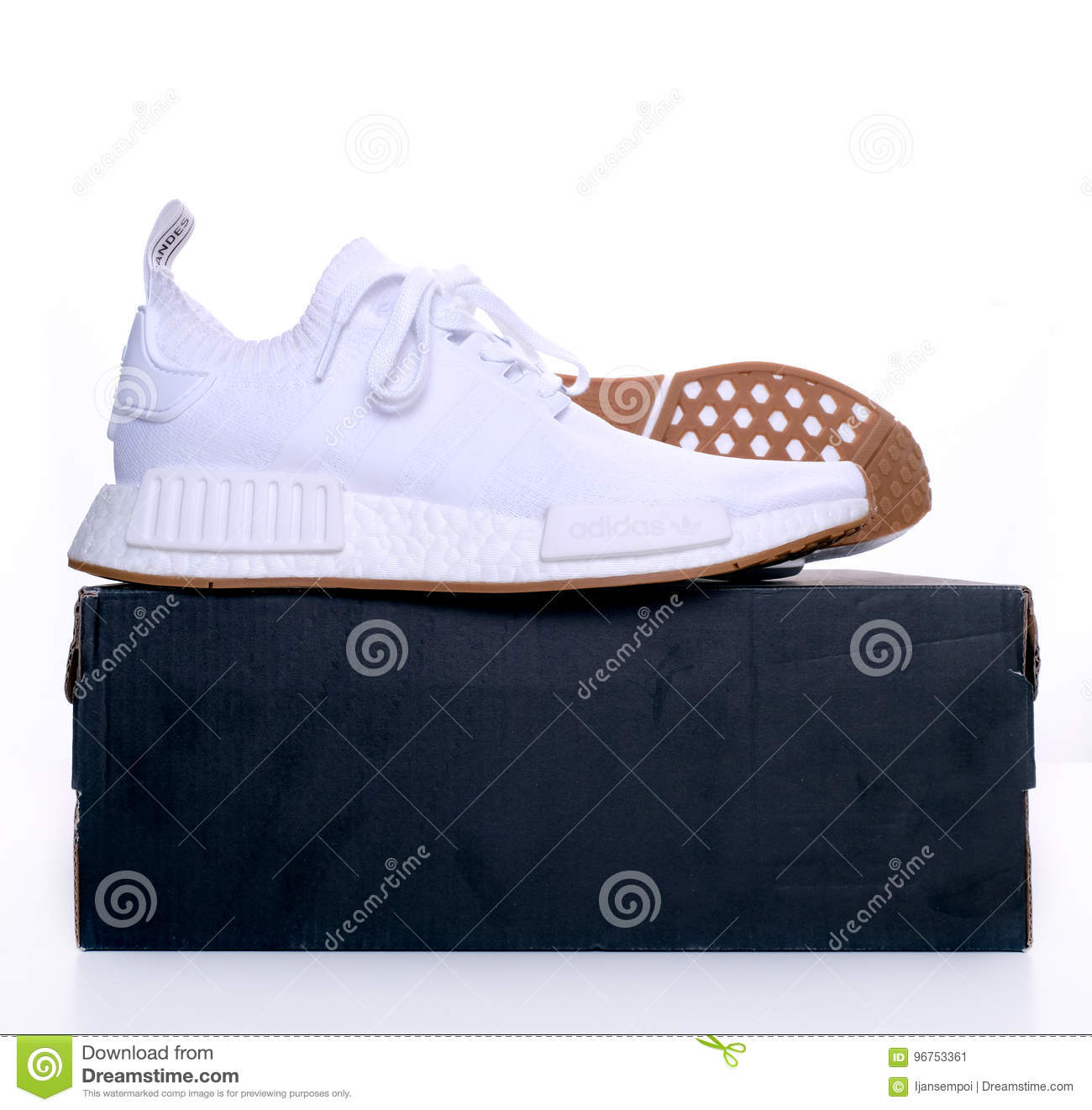 adidas originals nmd r1 white gum