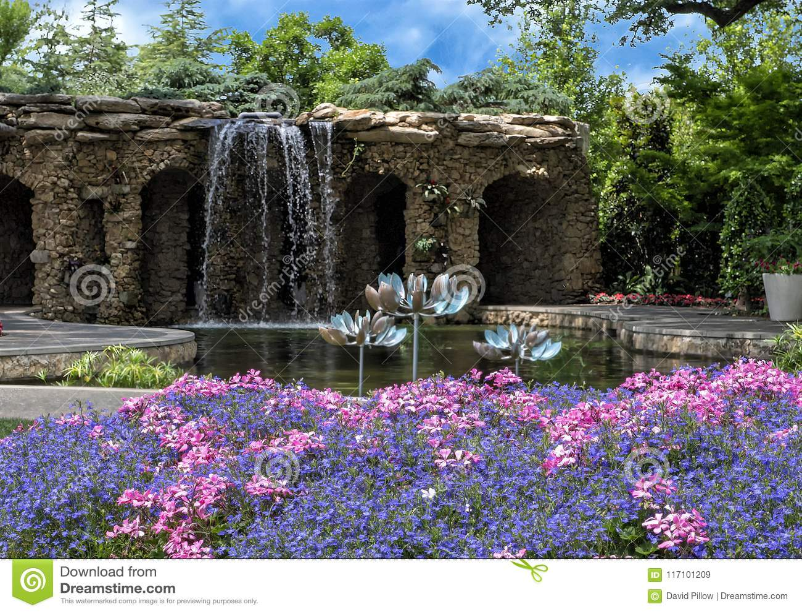 Lay Family Garden At The Dallas Arboretum Editorial Stock Image
