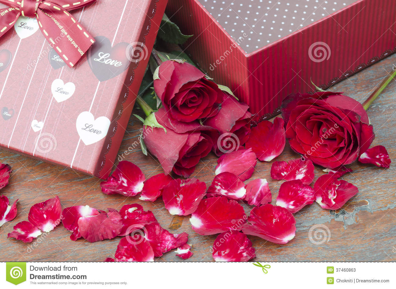 Roses Valentine S Day With Stuff Toys : Pictures of roses and gifts for valentine s day stock