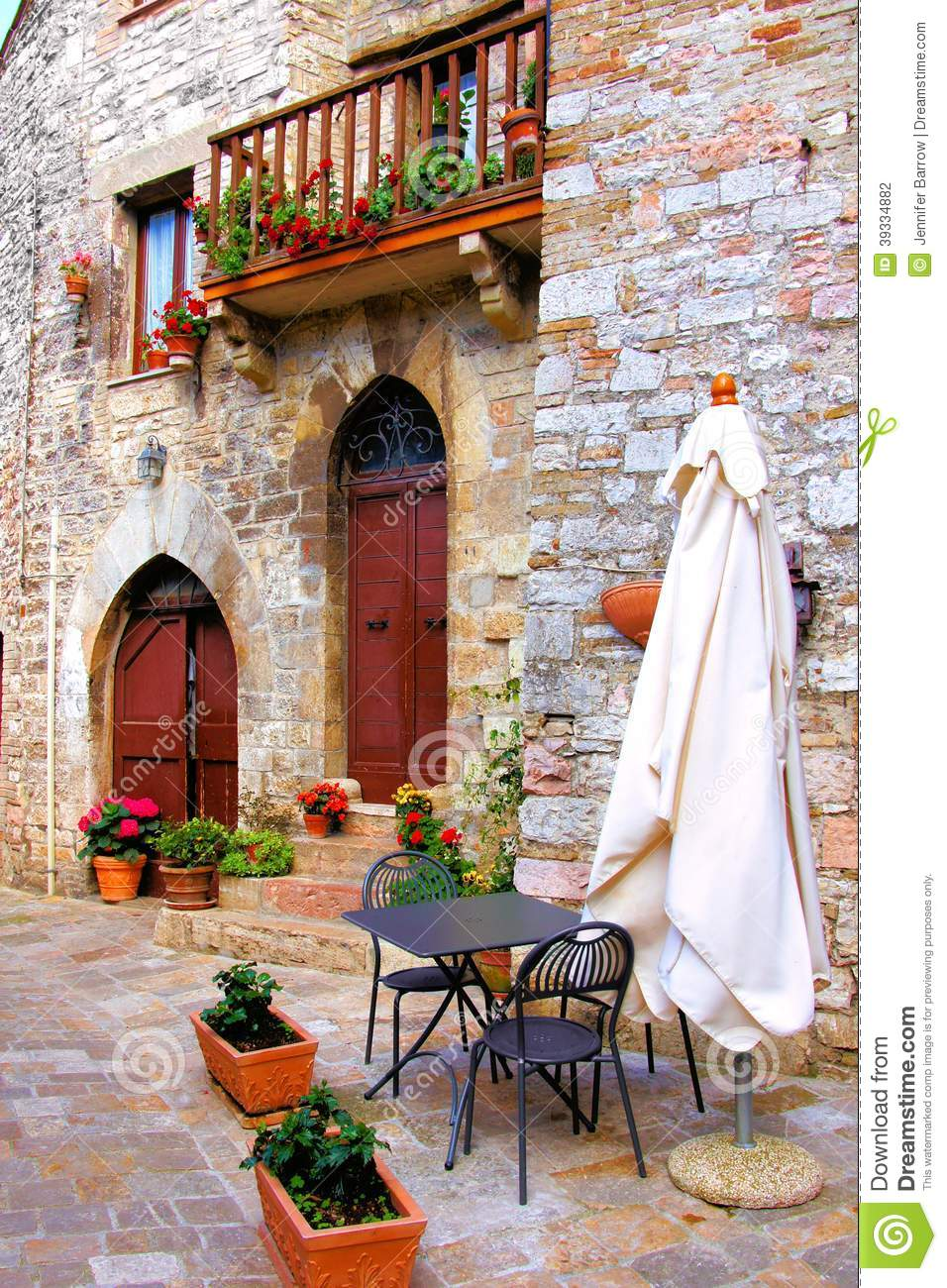 Picturesque Italian Cafe Stock Photo - Image: 39334882