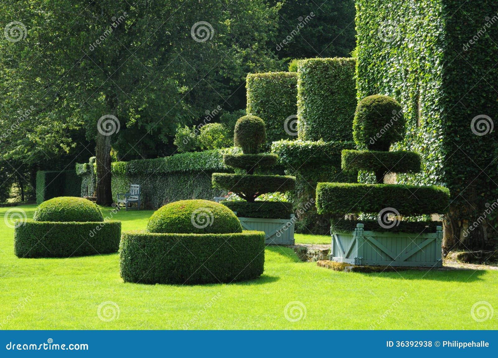Picturesque jardins du manoir d eyrignac in dordogne royalty free stock photos image 36392938 - Jardins du manoir d eyrignac ...
