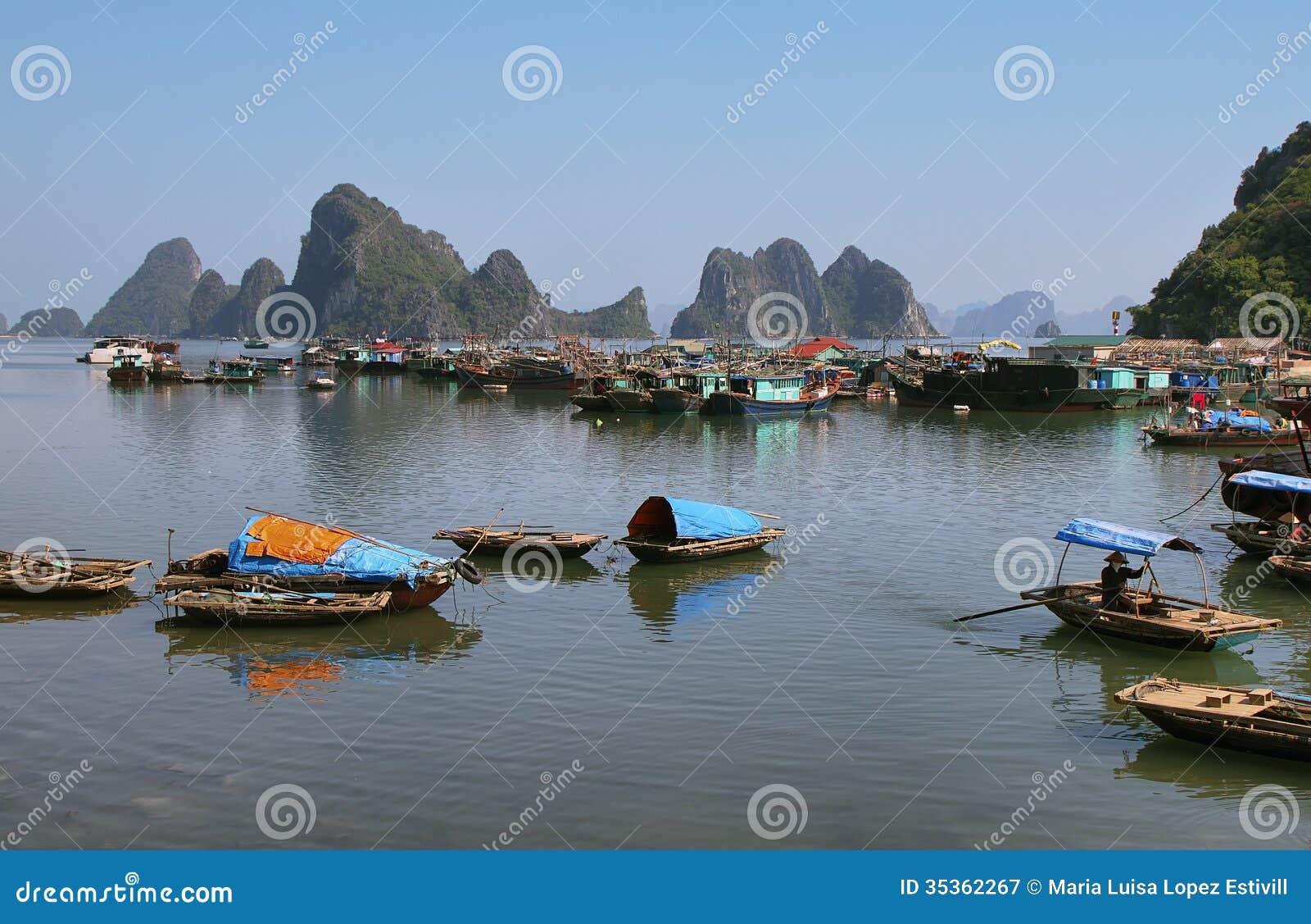 Picturesque sea landscape. Bai tu Long Bay