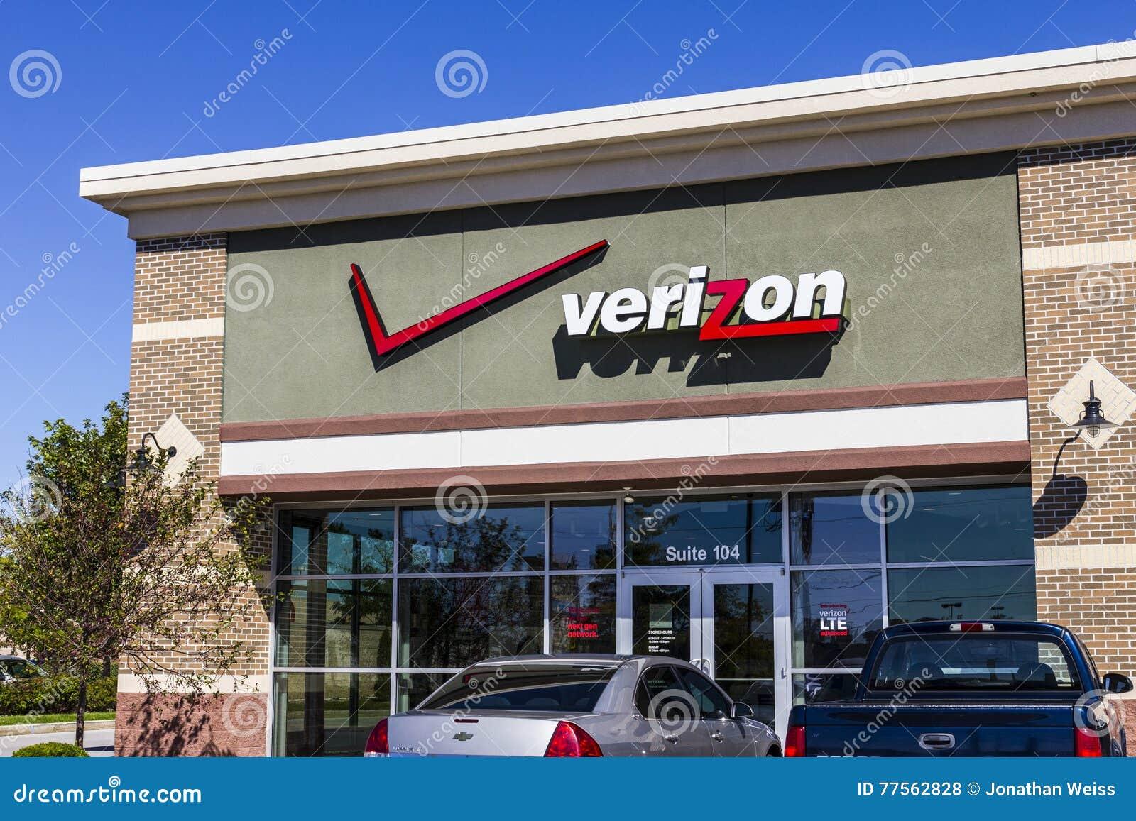 Pie Wayne - circa septiembre de 2016: Ubicación de la venta al por menor de Verizon Wireless Verizon es una de las compañías más