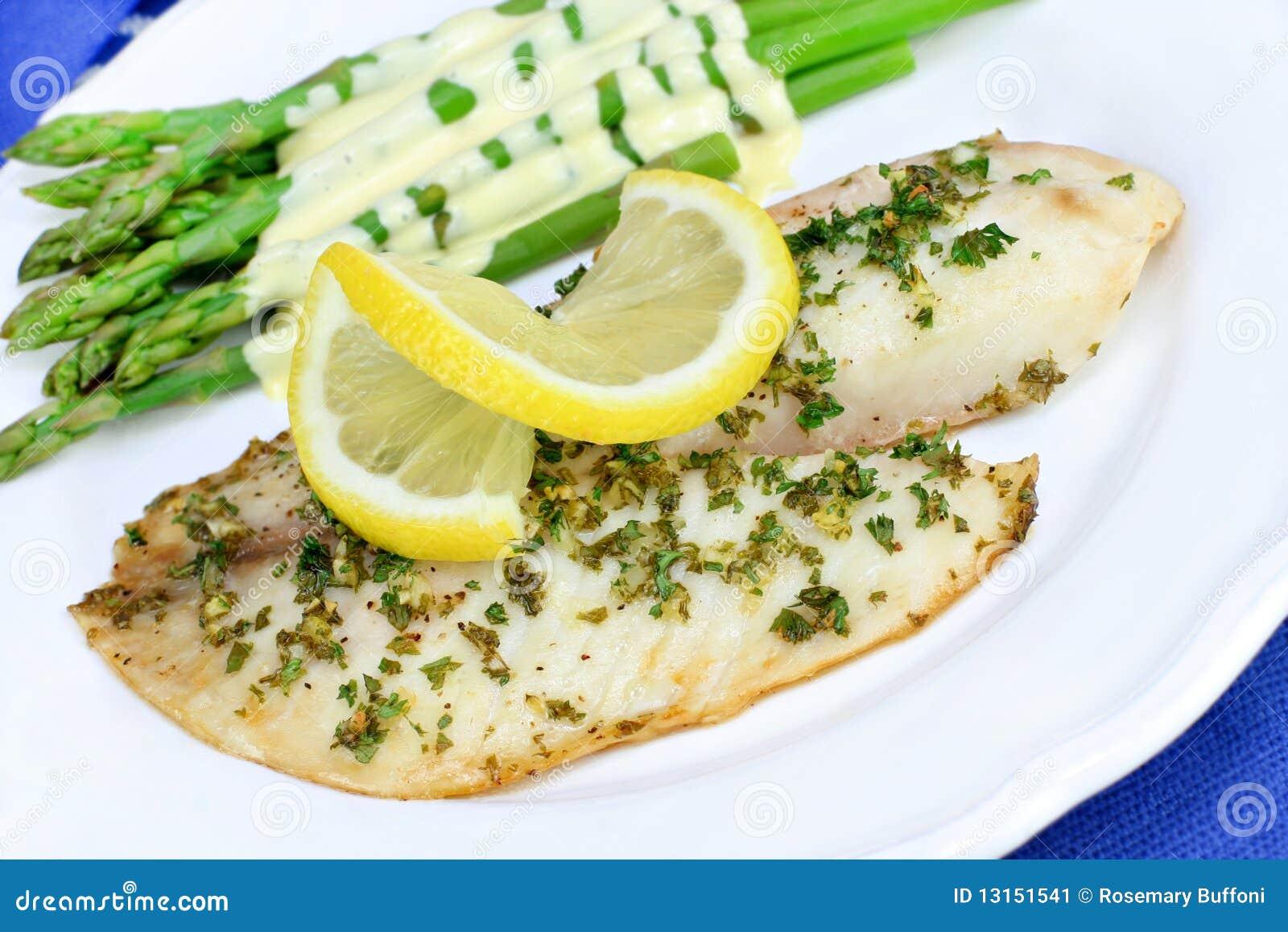 Piec gość restauracji ryba świeży tilapia
