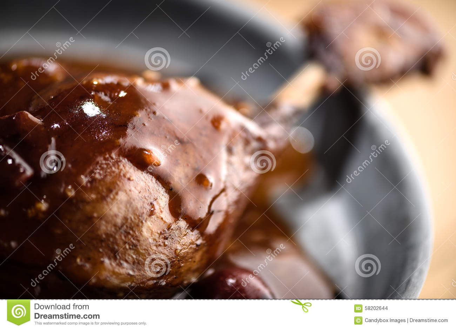 Piec kaczki noga w czerwone wino wiśni kumberlandzie