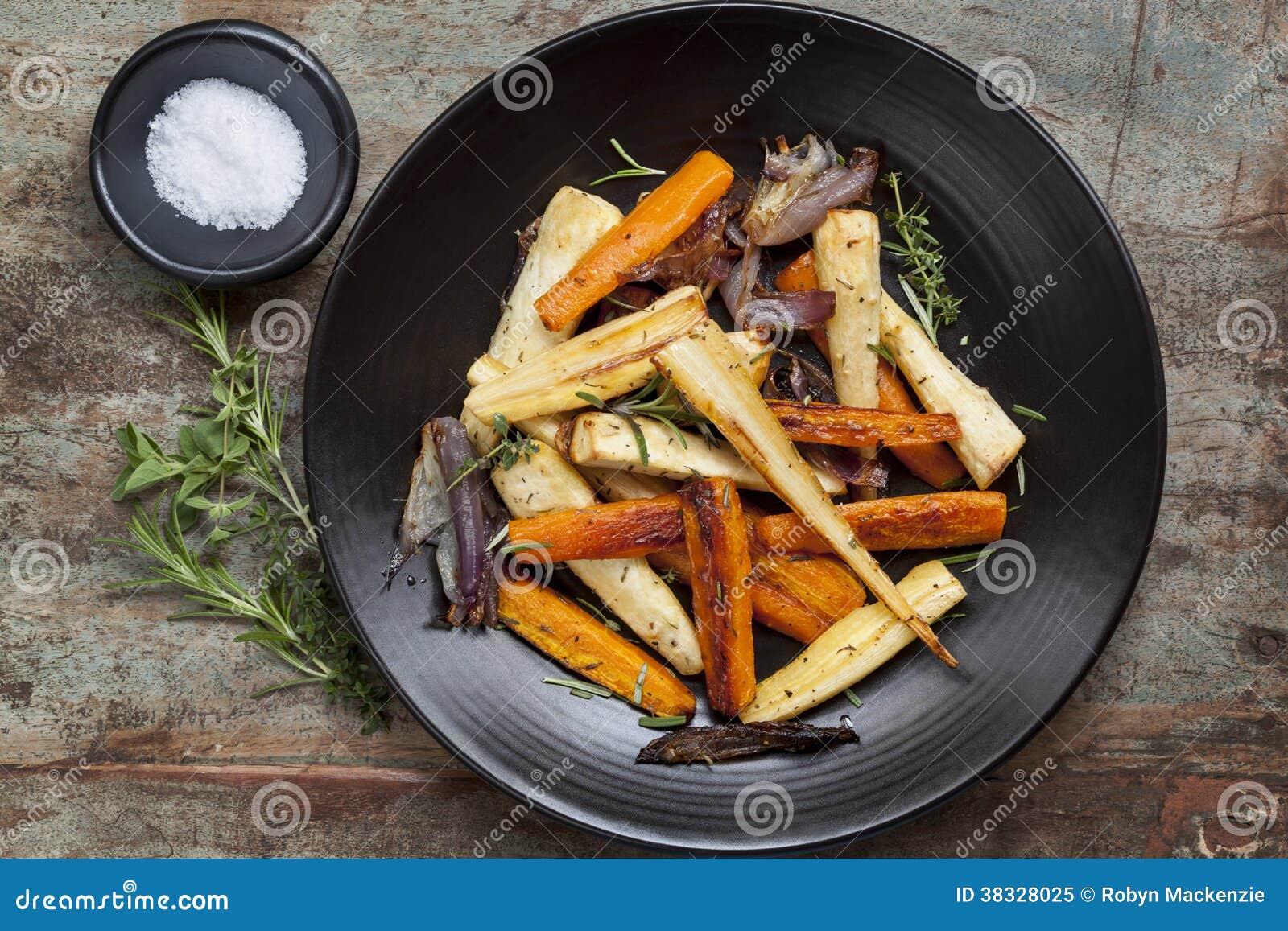 Piec Korzeniowi warzywa