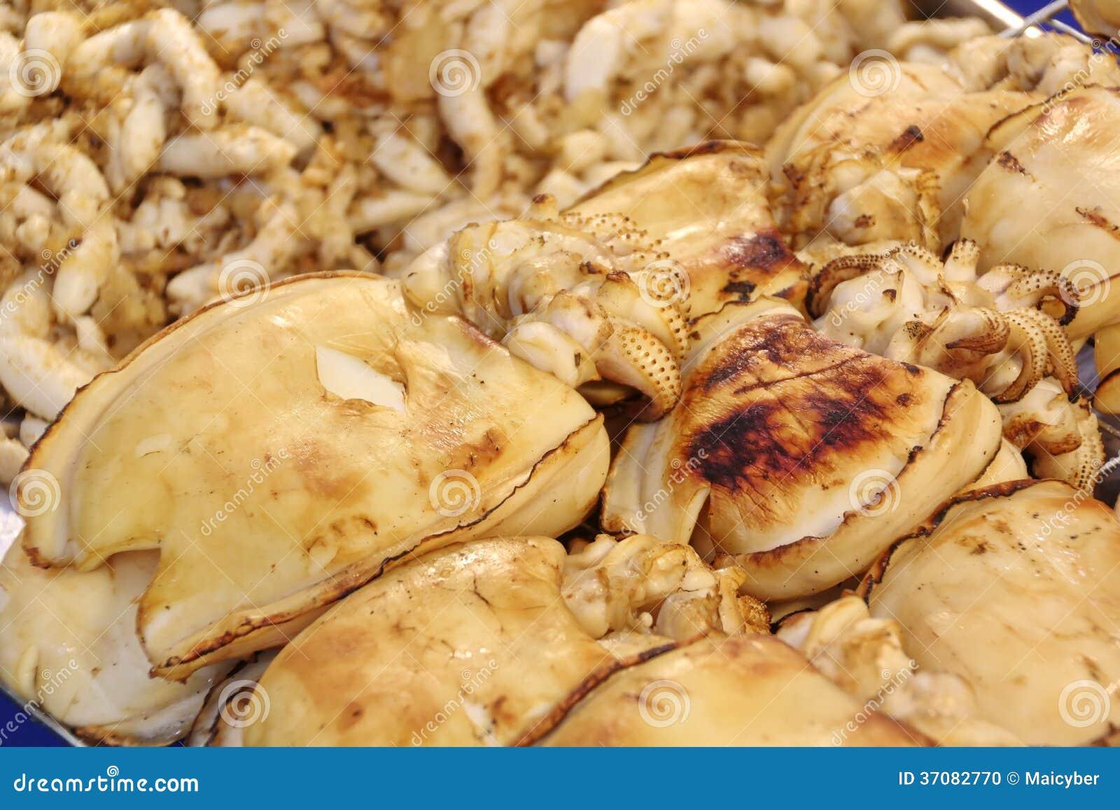 Download Piec Na Grillu Kałamarnica Lub Piec Na Grillu Cuttlefish Zdjęcie Stock - Obraz złożonej z seafood, gorący: 37082770