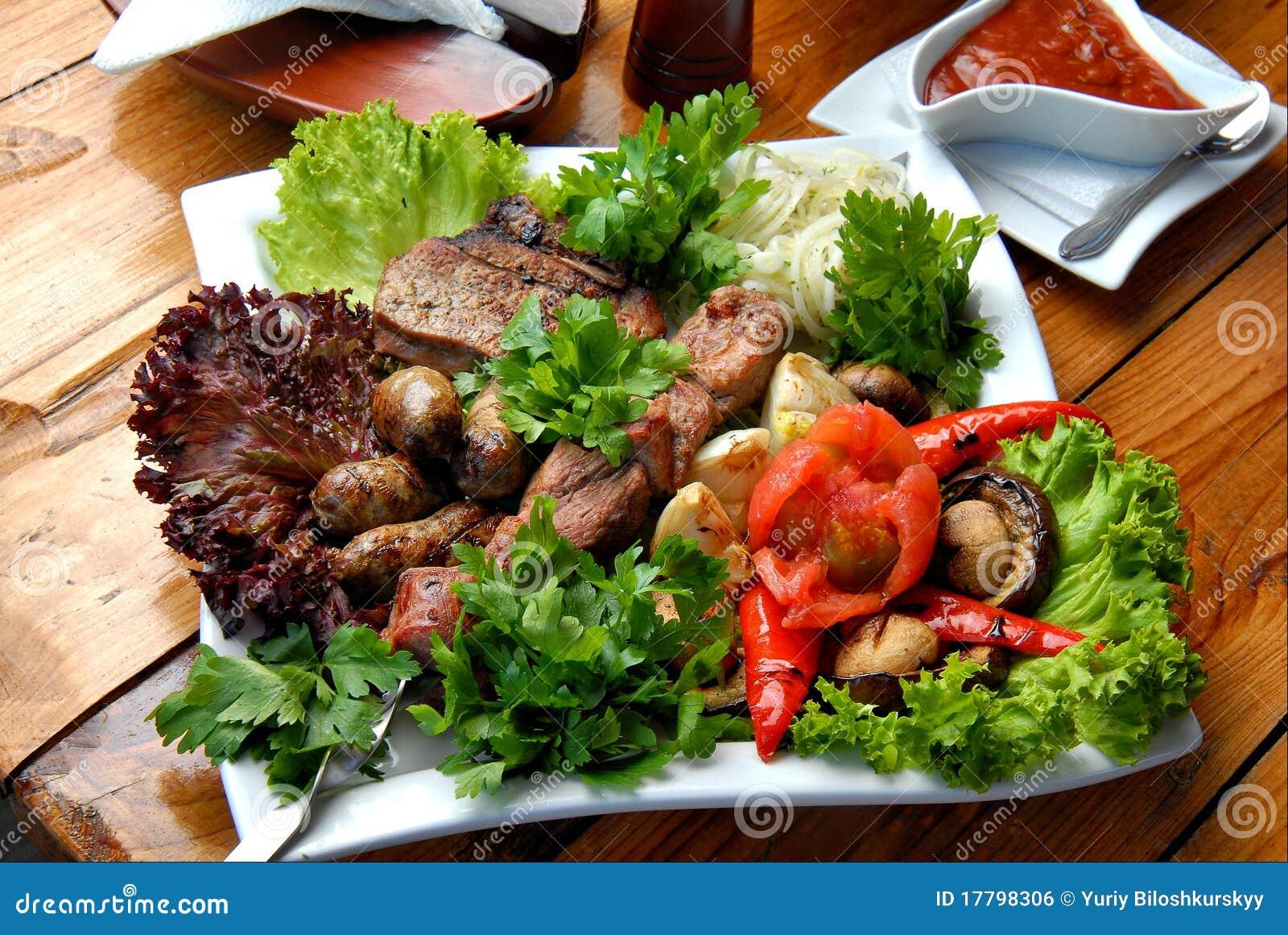 Piec na grillu mięso