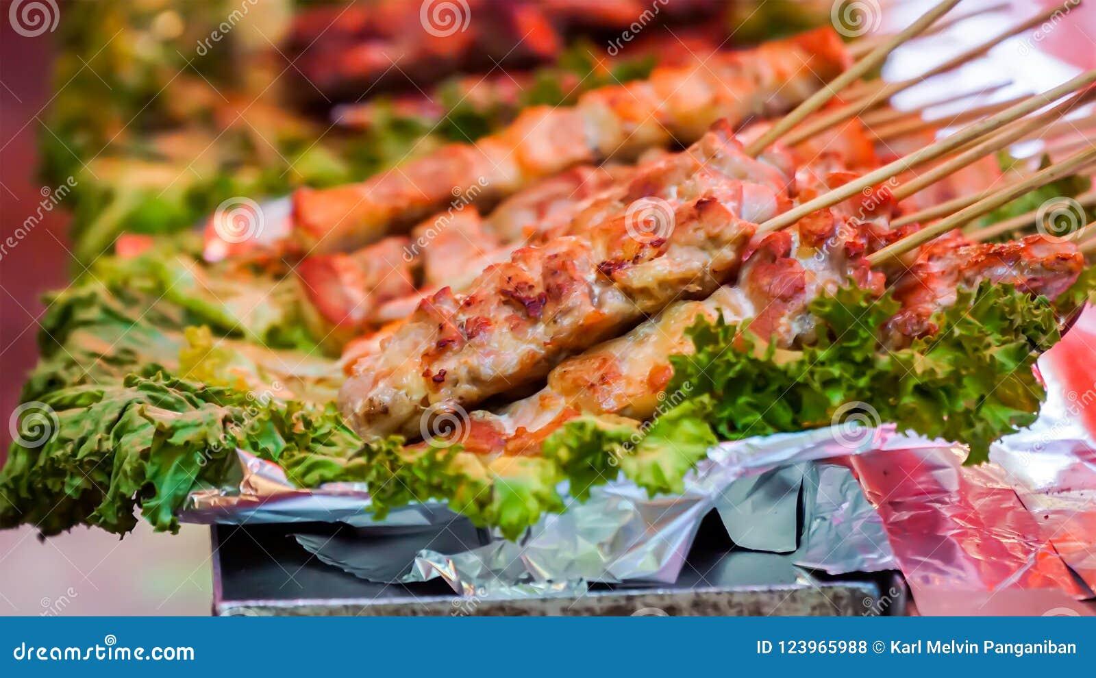 Piec na grillu mięso, także znać jako Yakiniku