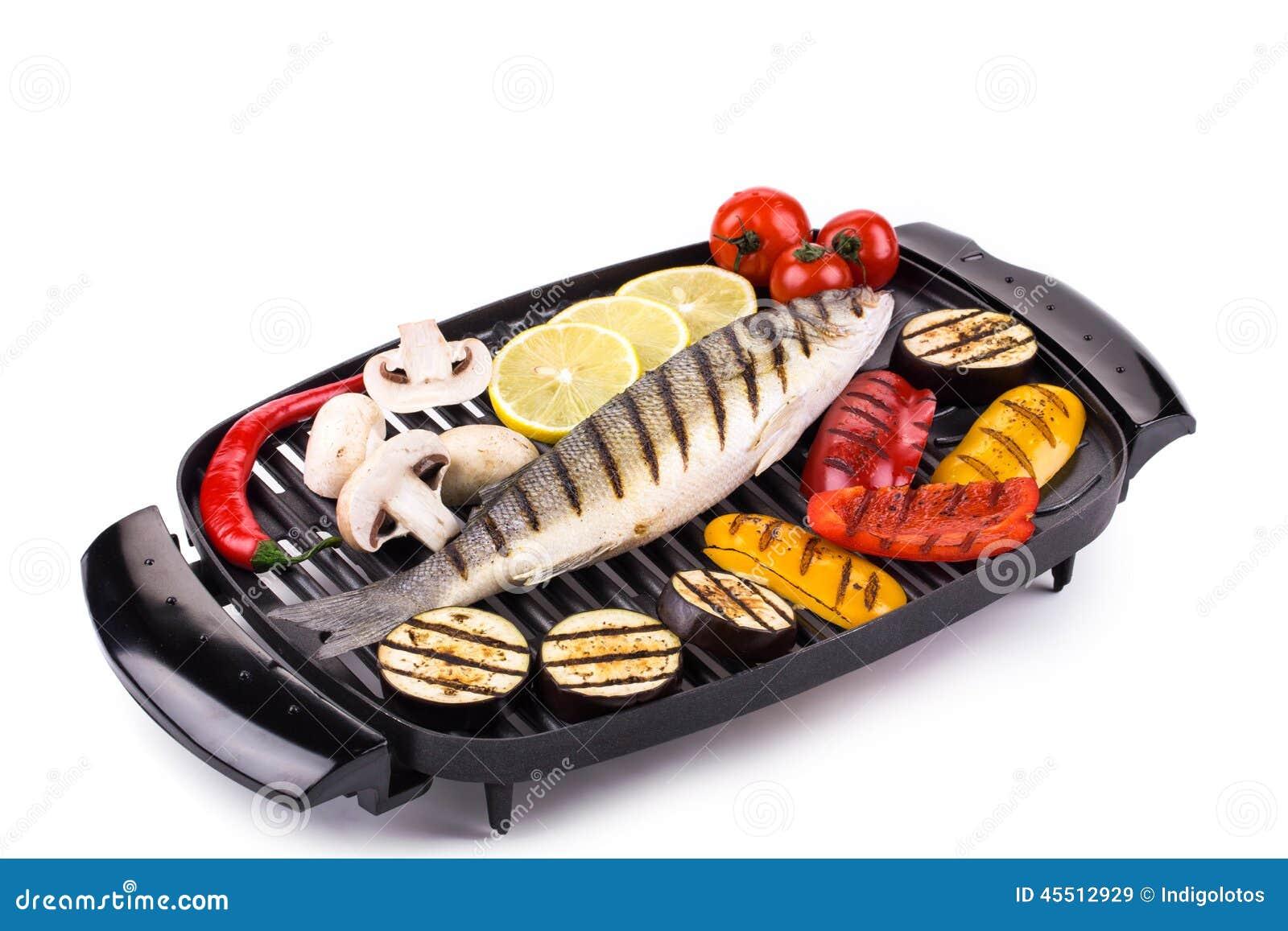 Piec na grillu seabass na grillu