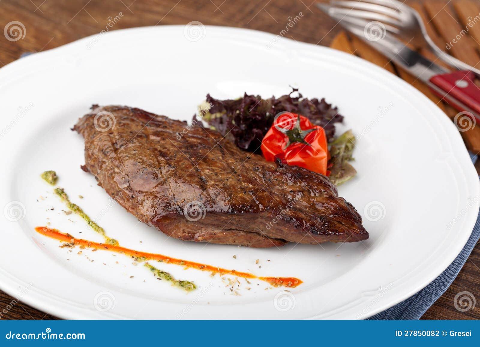Piec na grillu Stek