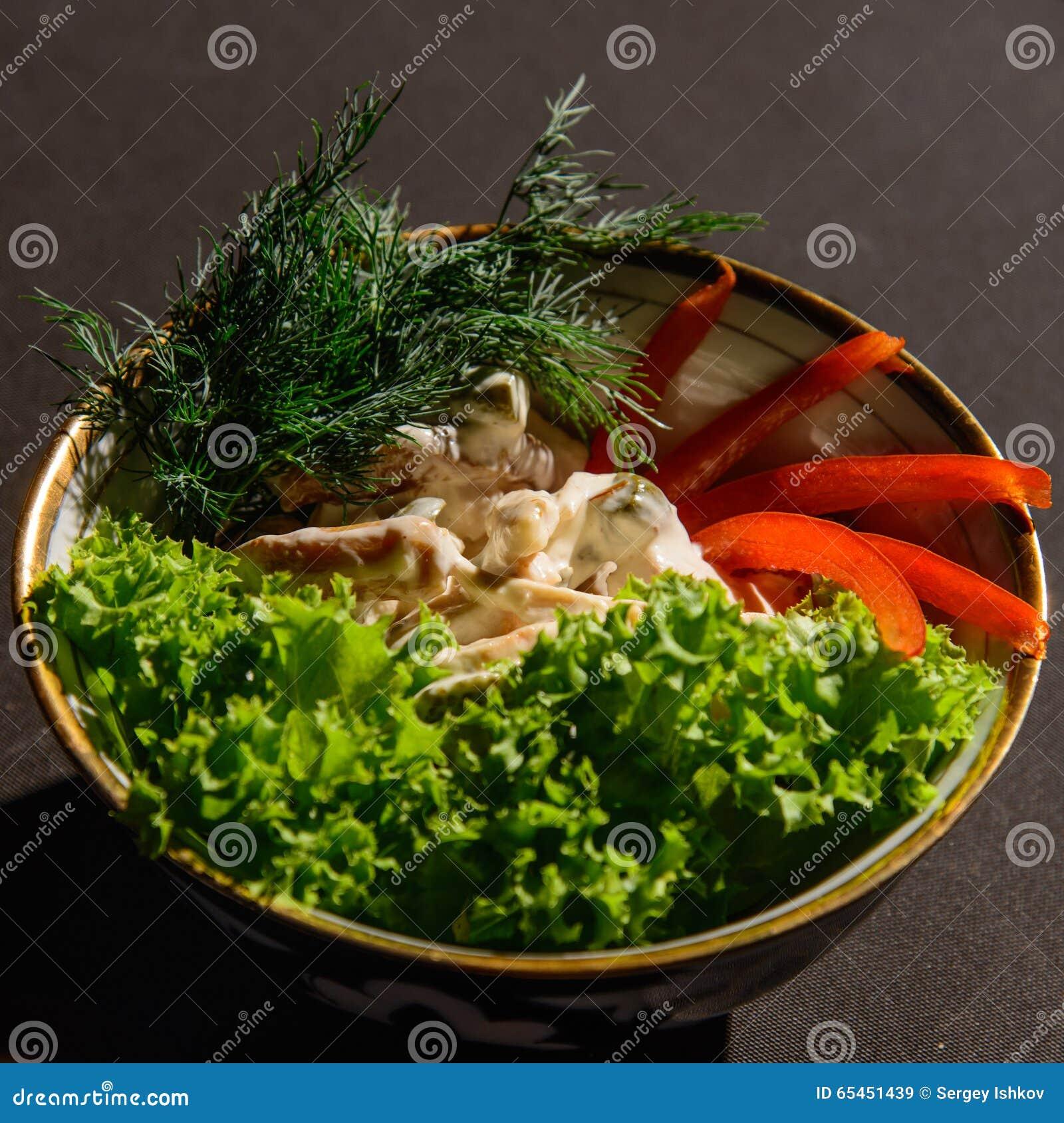 Pieczarki, mięso i niektóre warzywa,