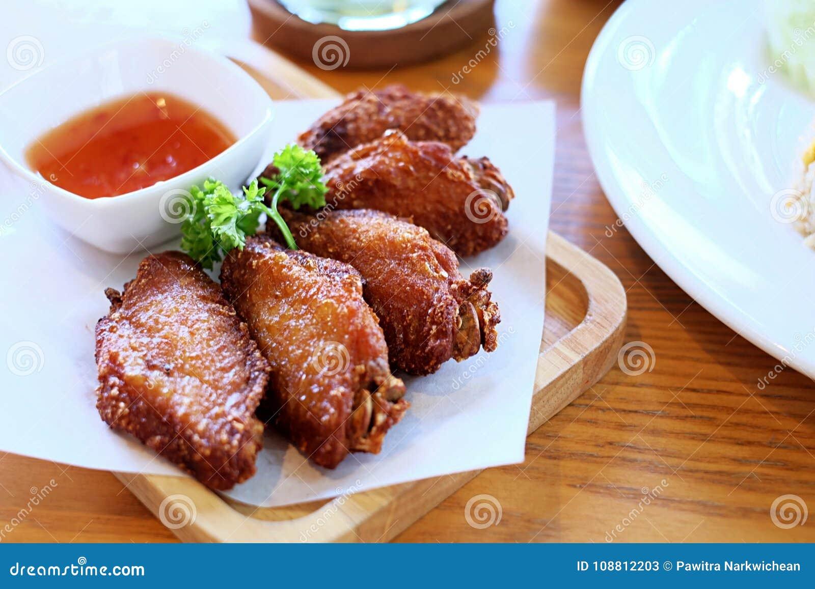 Pieczeni Kurczaki Z Czerwonym kumberlandem