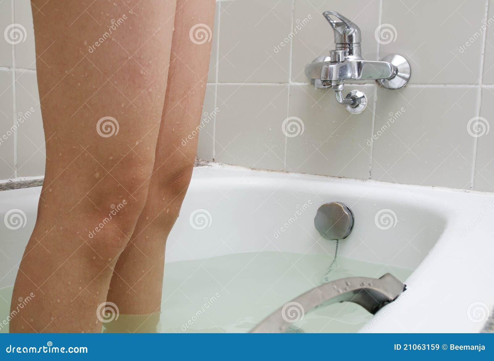 Vasca Da Bagno Piedini : Ra ma vasca da bagno in ghisa con piedini