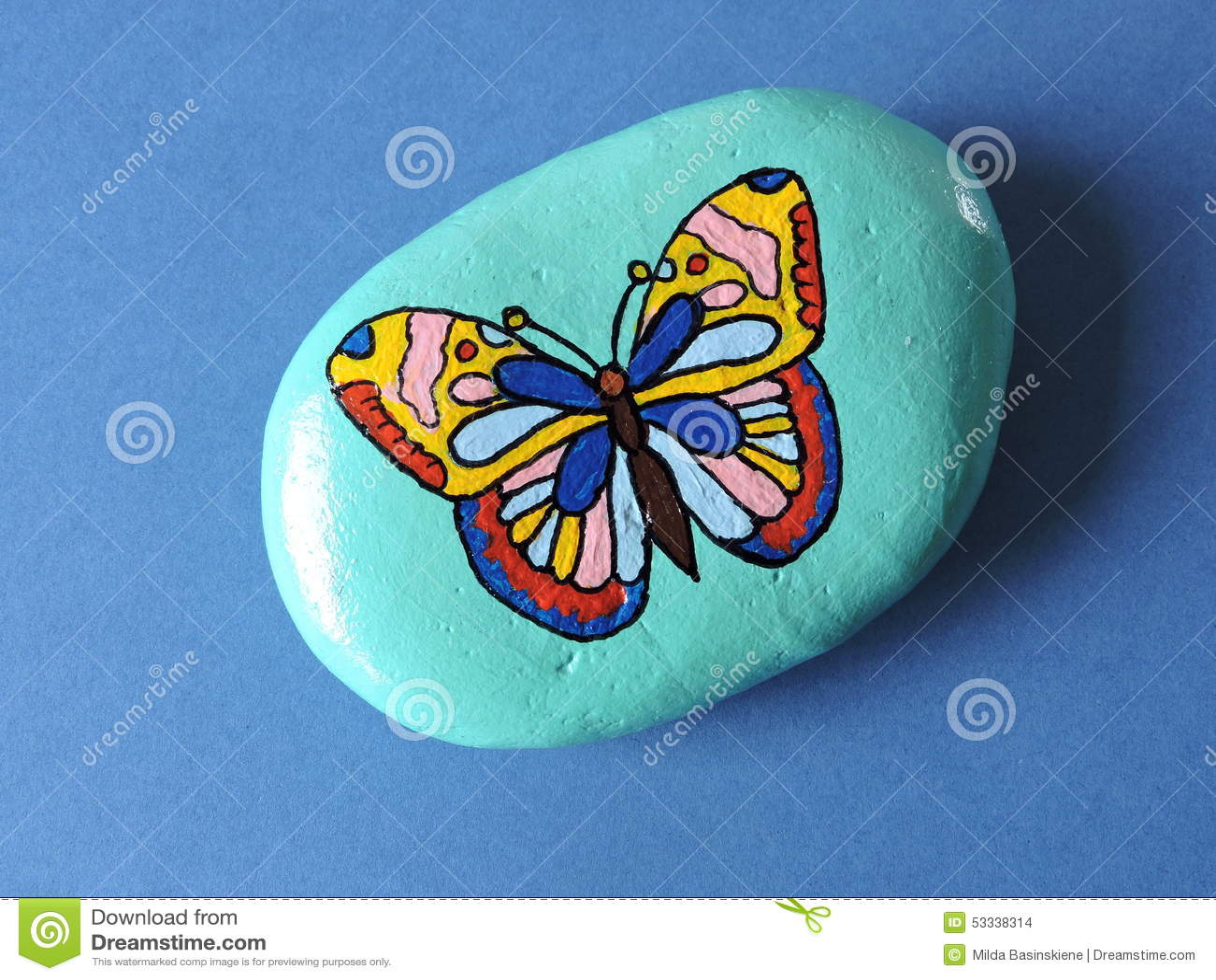 Piedra con la mariposa pintada stock de ilustraci n for Pintura para pintar piedra natural