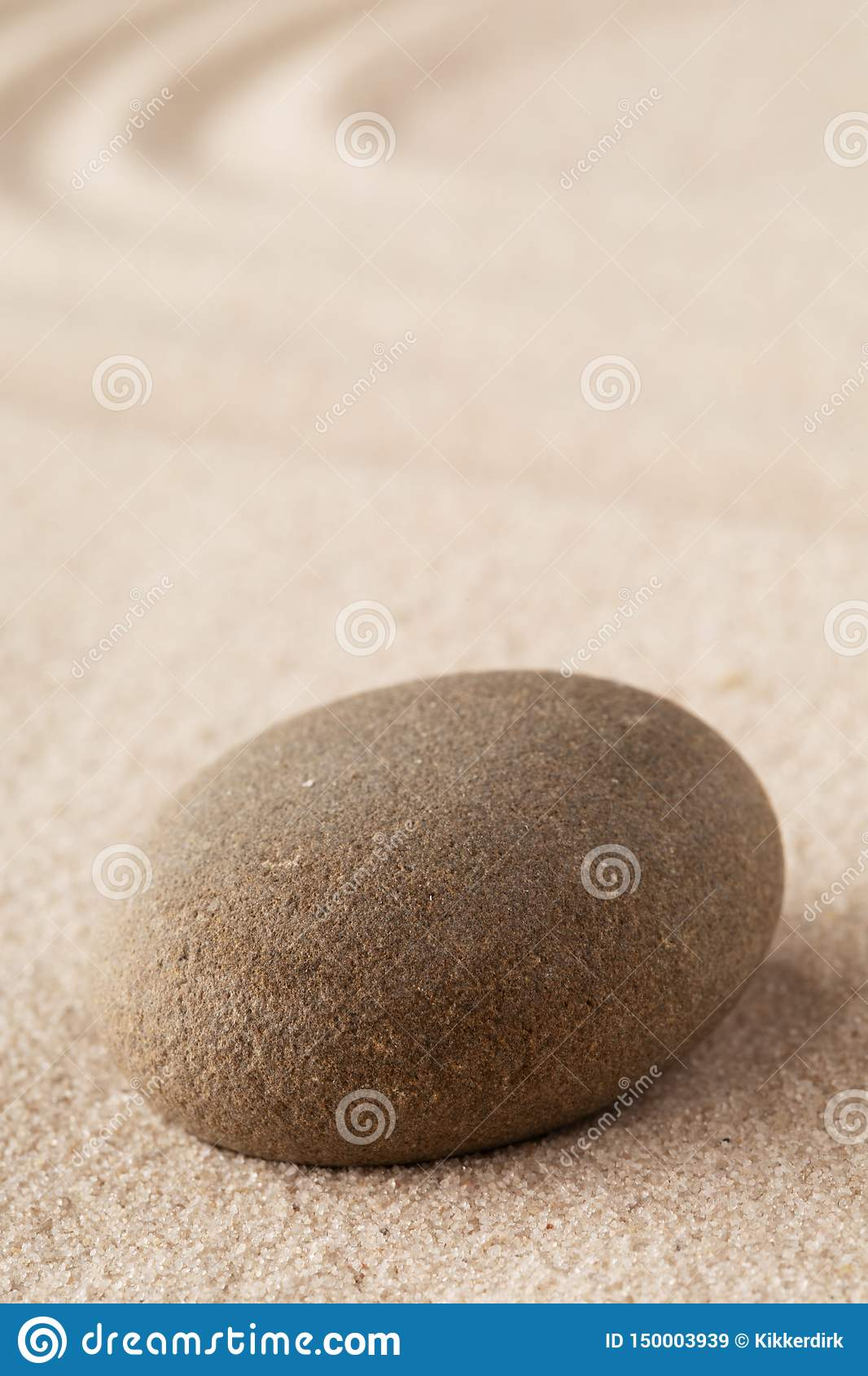 Piedra de la meditaci?n del jard?n del zen