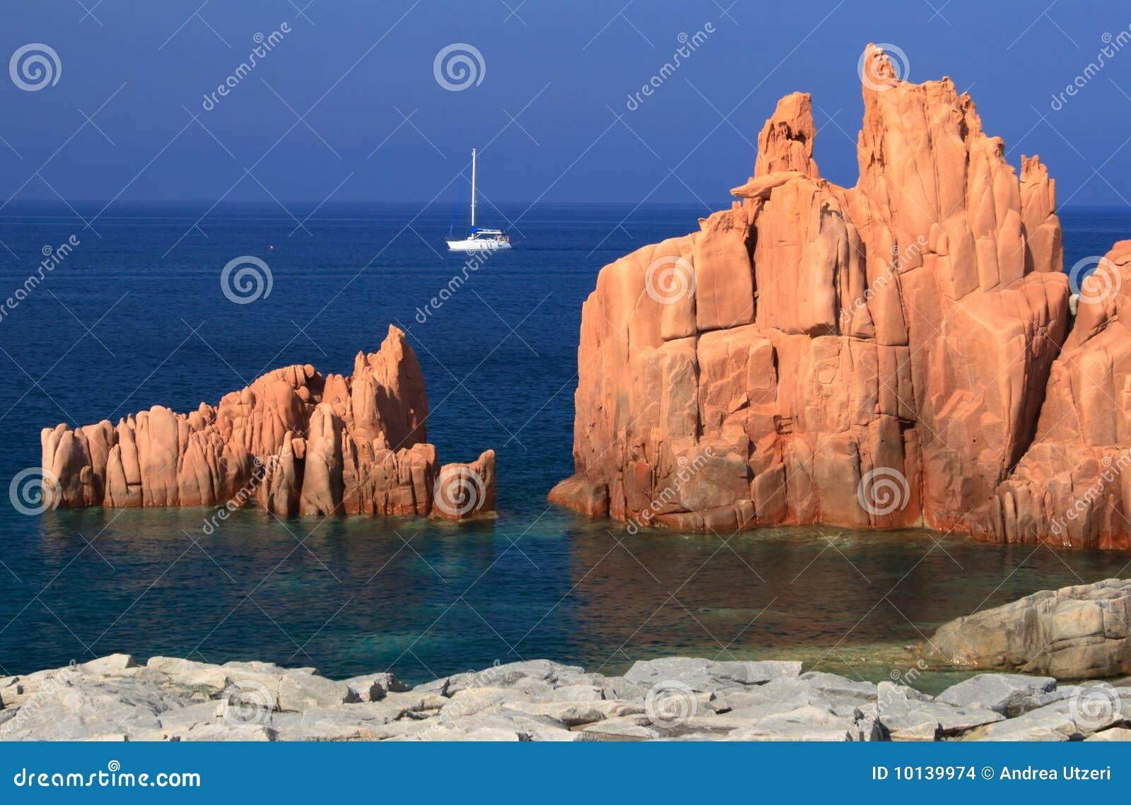 Piedras del rojo de Arbatax