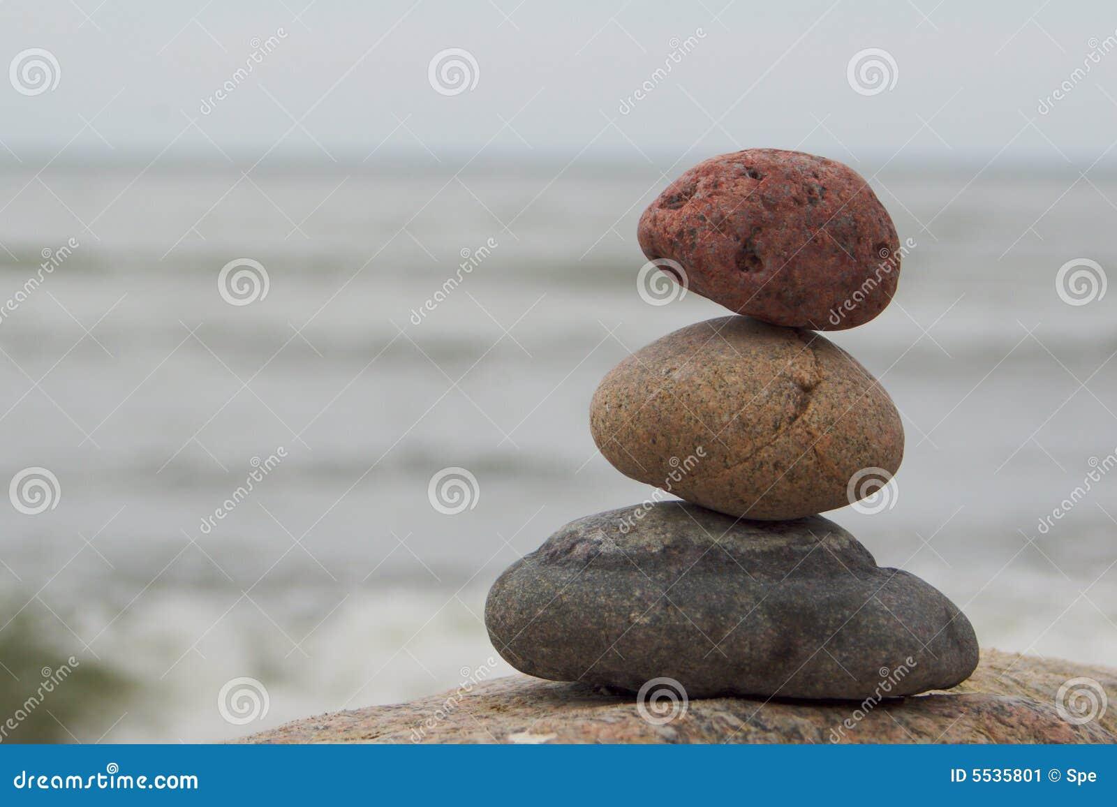 Piedras del zen en el mar imagen de archivo imagen 5535801 for Fotos piedras zen