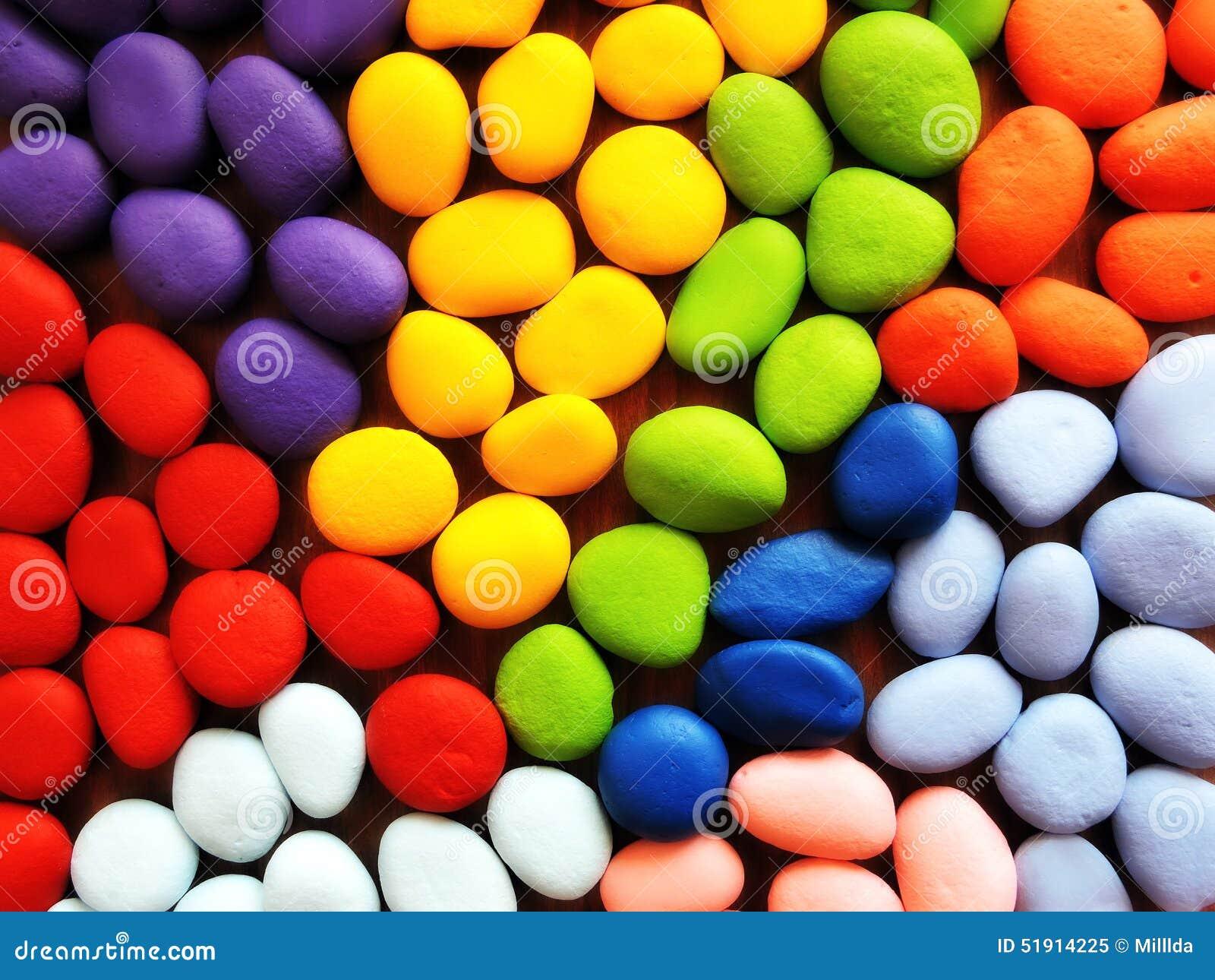 Piedras naturales pintadas en diversos colores foto de for Cual es el color piedra