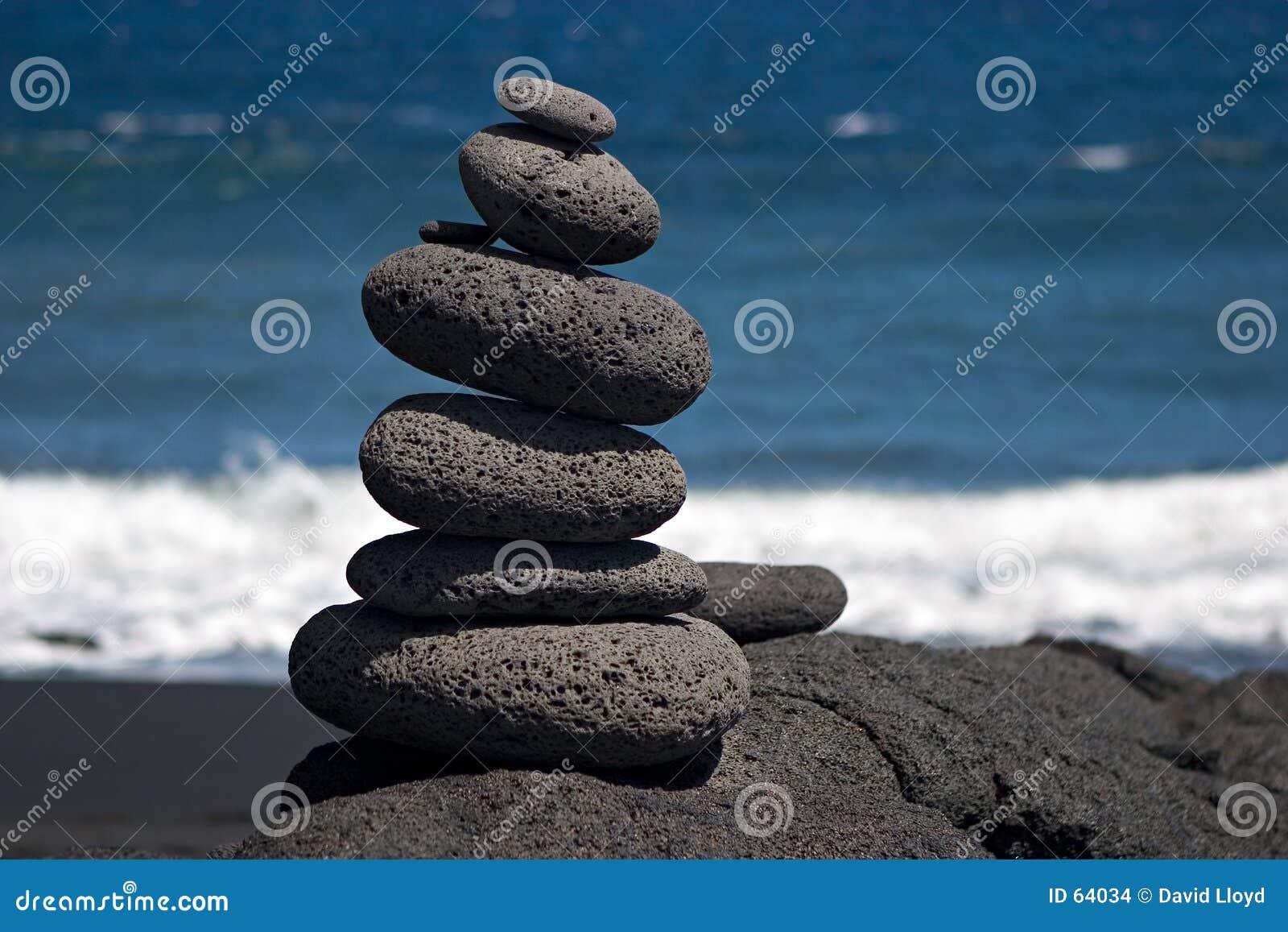 Piedras por el mar