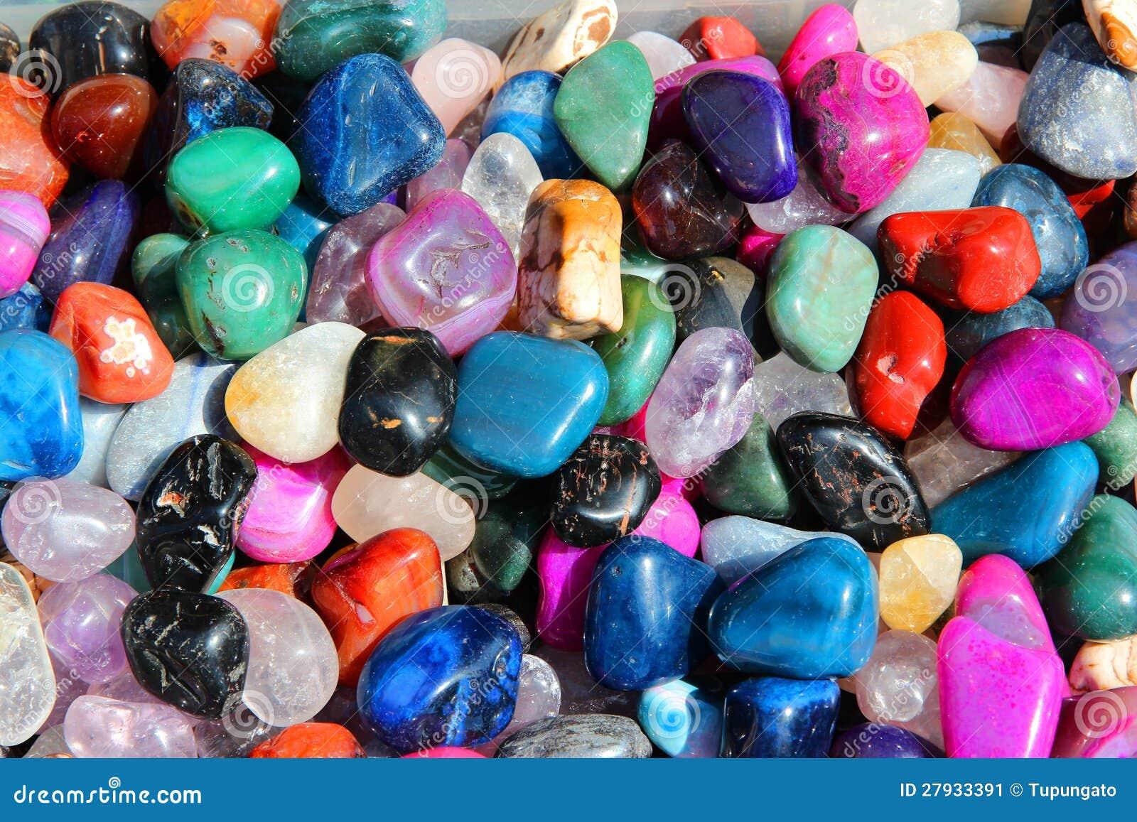 Piedras preciosas coloridas