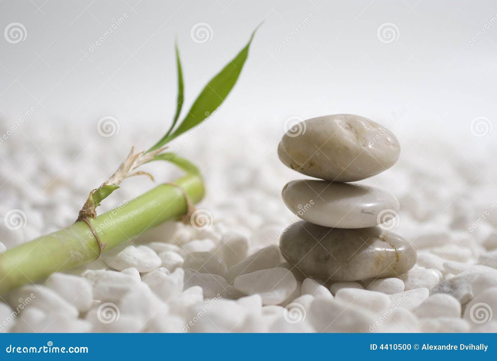 Piedras y bamb del zen foto de archivo imagen 4410500 for Fotos piedras zen