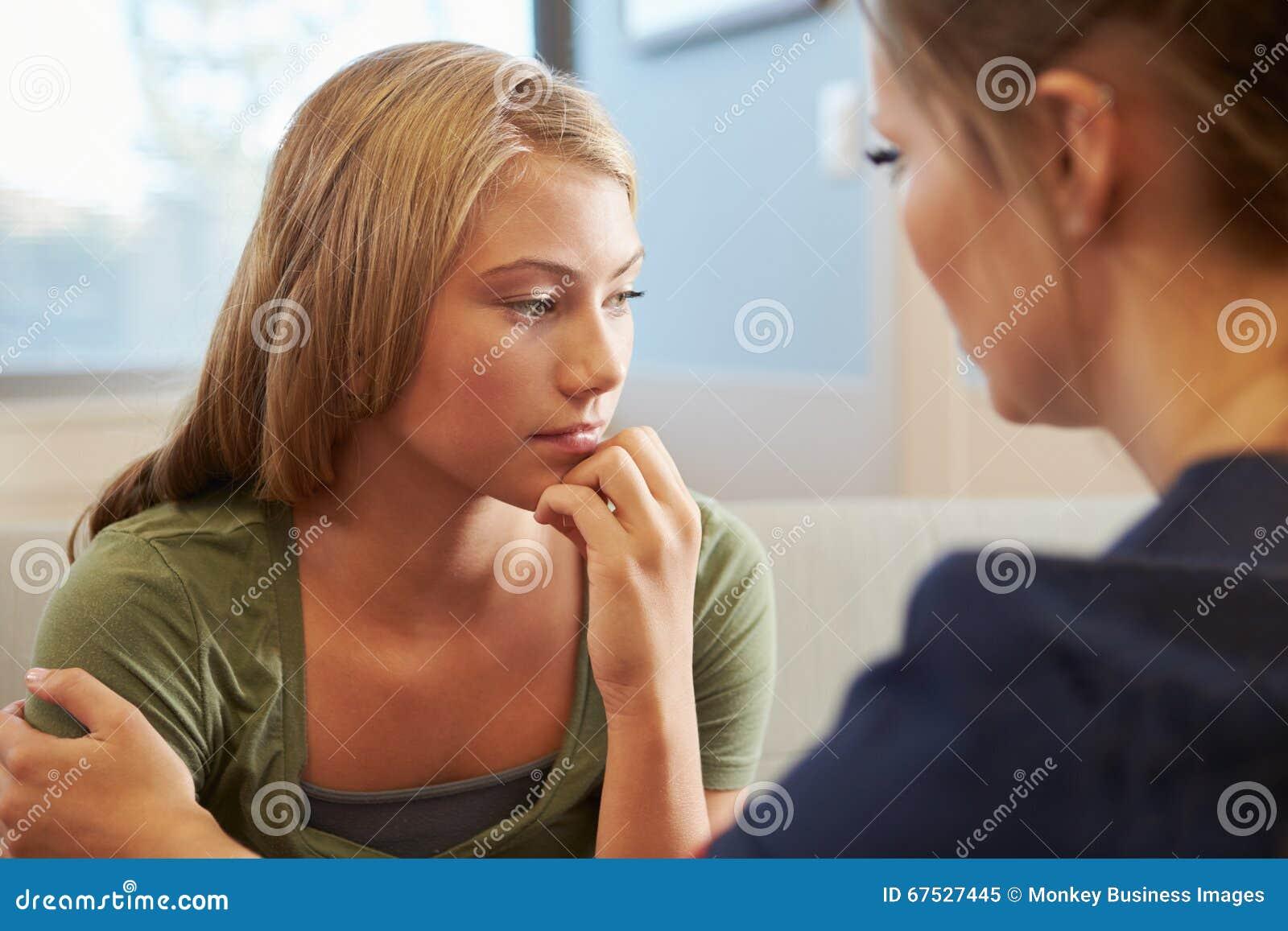 Pielęgniarki częstowania nastoletniej dziewczyny cierpienie Z depresją