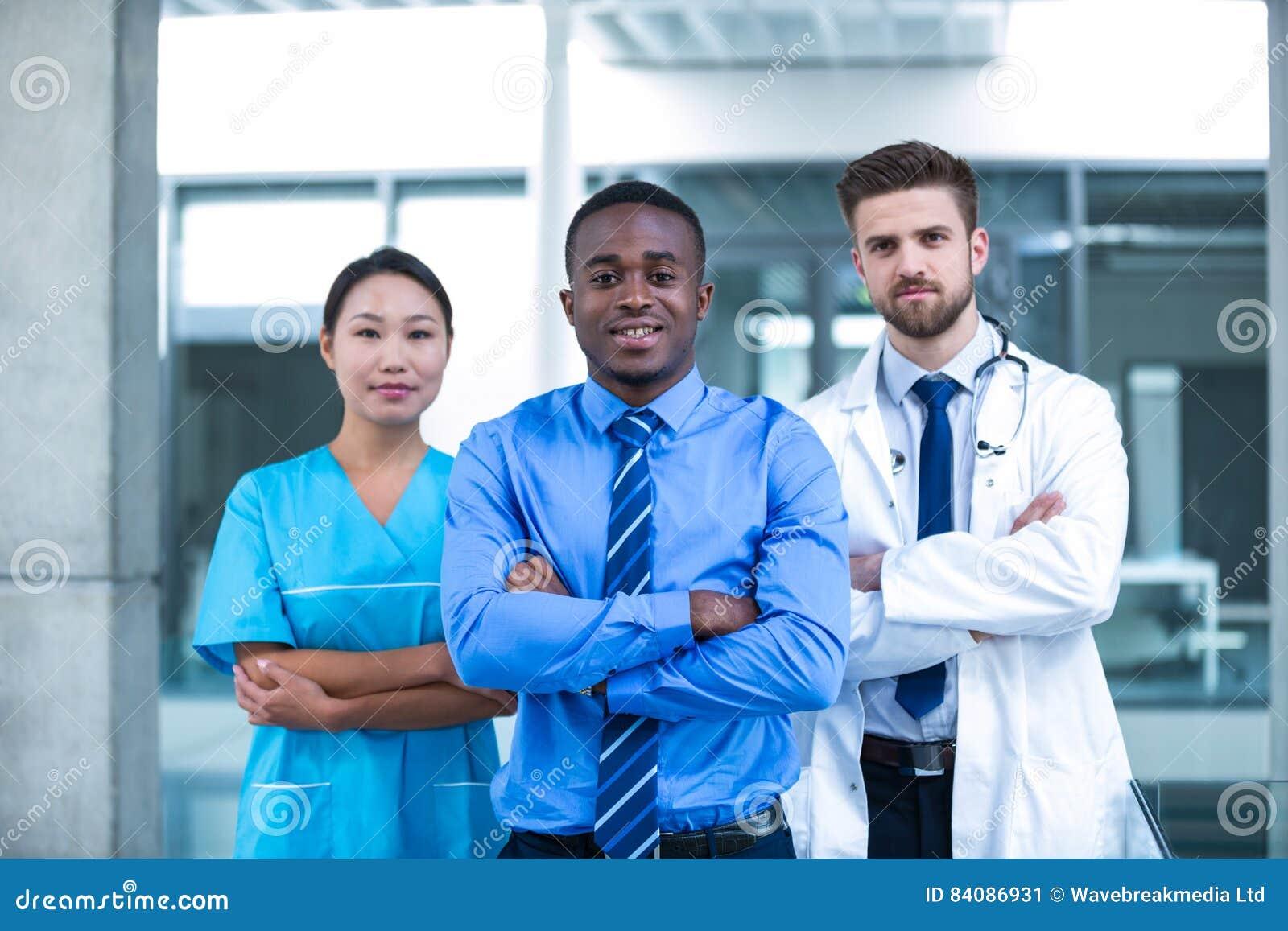Pielęgnuje i fabrykuje z biznesmen pozycją w szpitalu