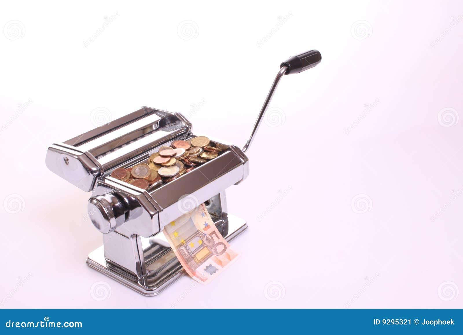Pieniądze maszynowy robi makaron