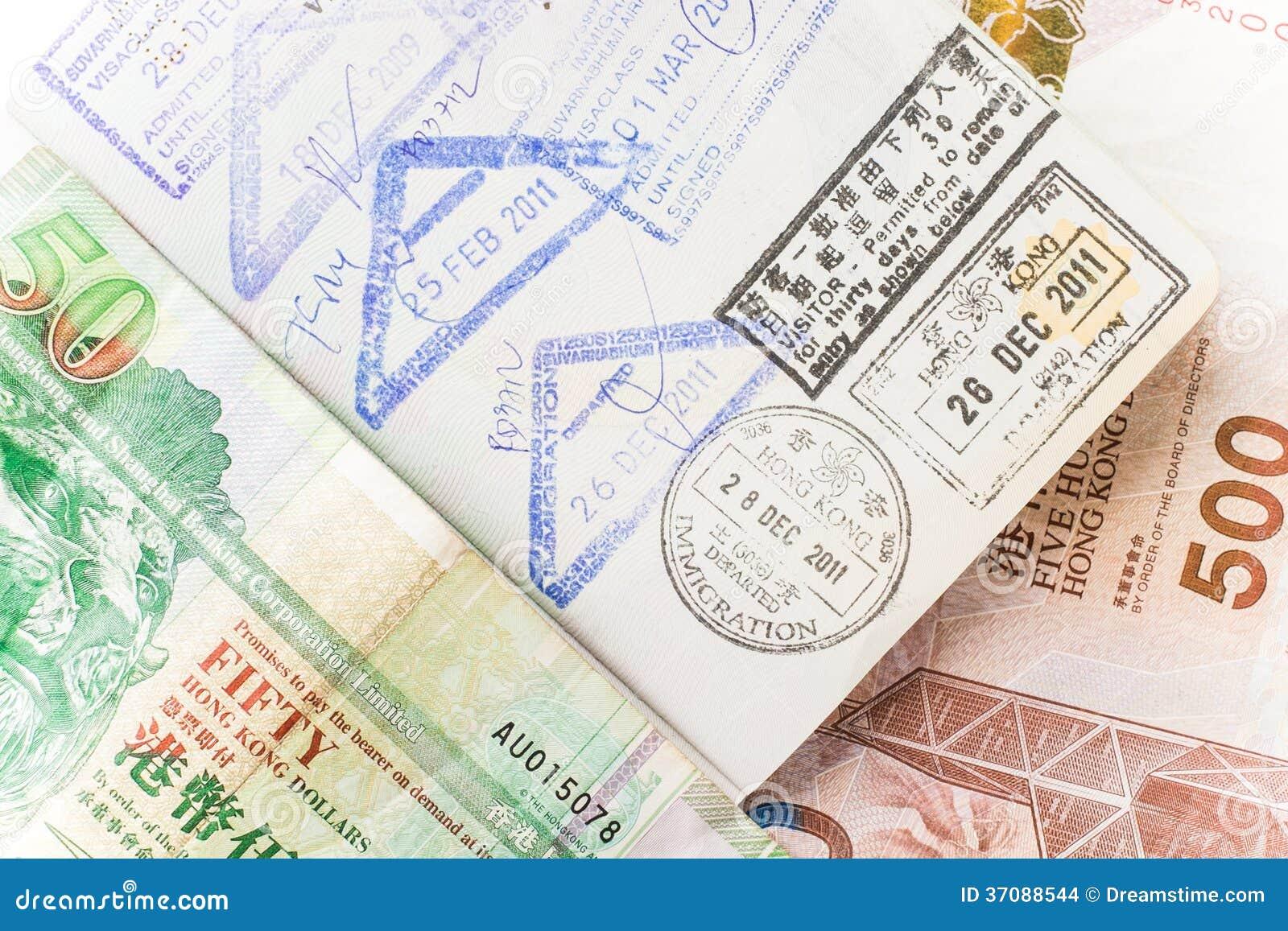 Download Pieniądze i paszport zdjęcie stock. Obraz złożonej z biznes - 37088544