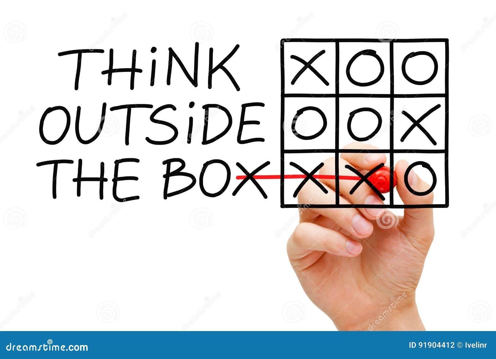 Piense fuera del tic Tac Toe Concept de la caja
