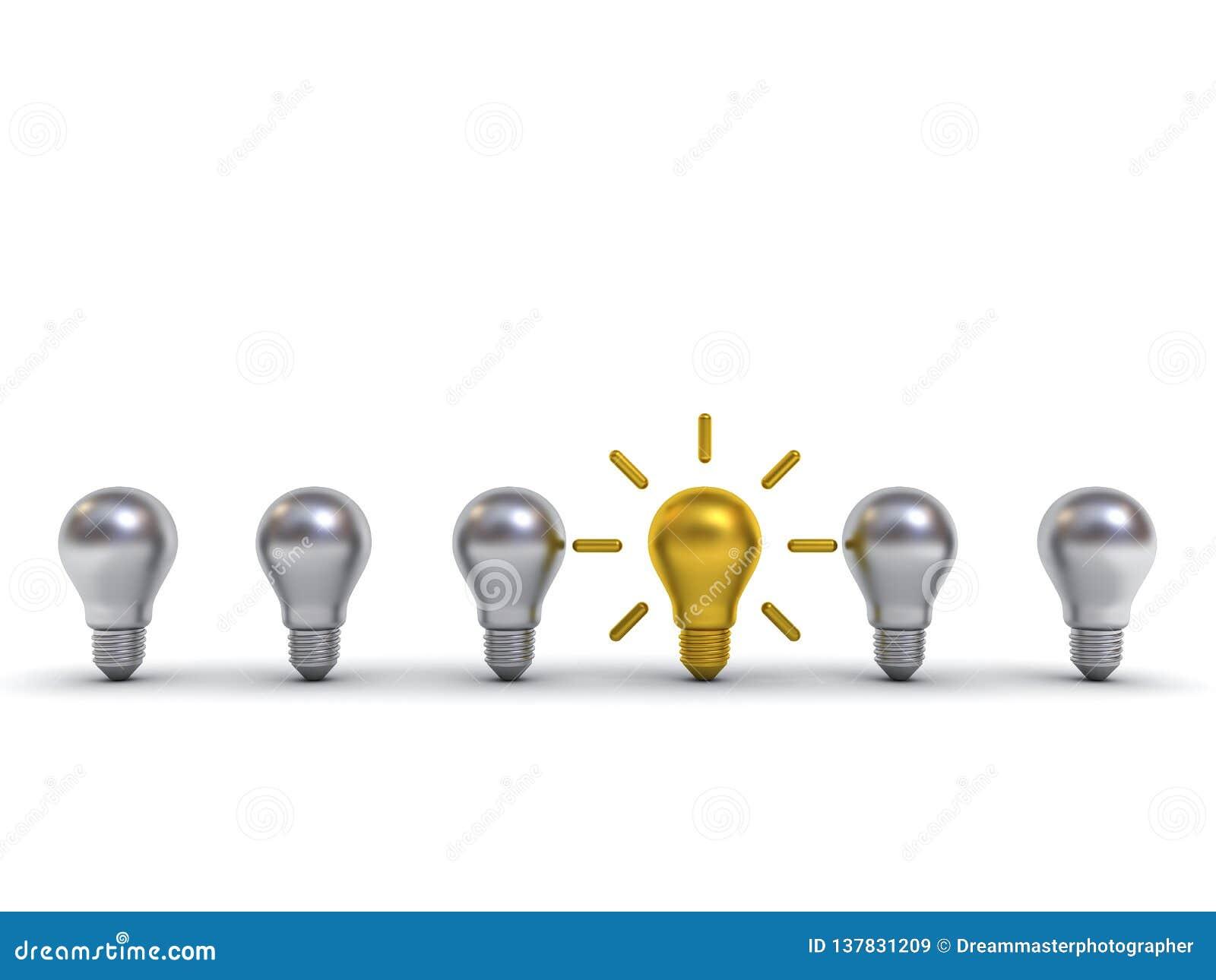 Piense la bombilla de diversa del concepto uno idea del oro que se coloca hacia fuera de los bulbos del metal plateado con reflex